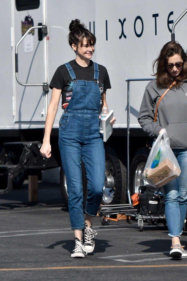 Shailene Woodley in a Blue Denim Overalls