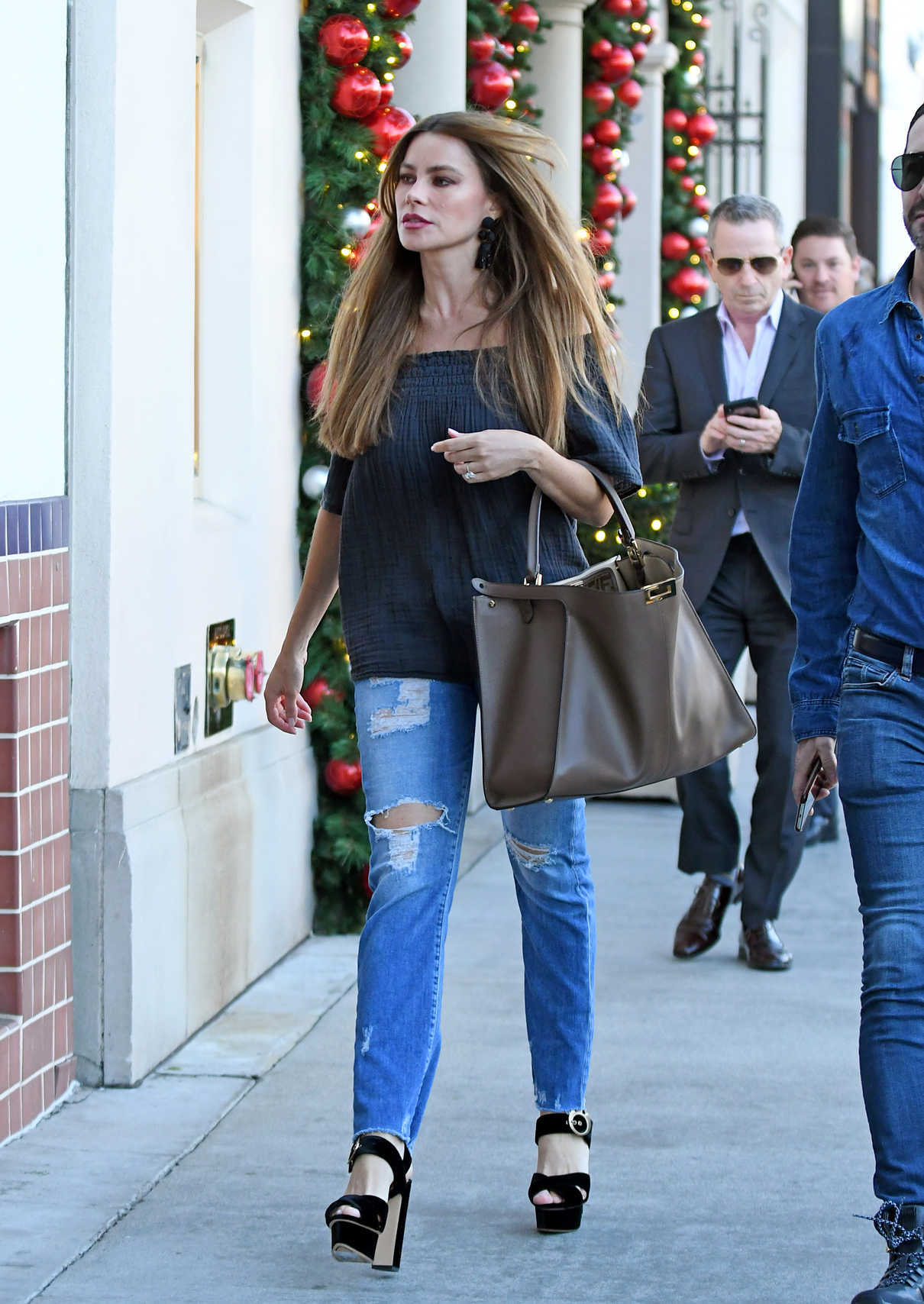 Sofia Vergara Shops for Rolex Watches in Beverly Hills 11/20/2018