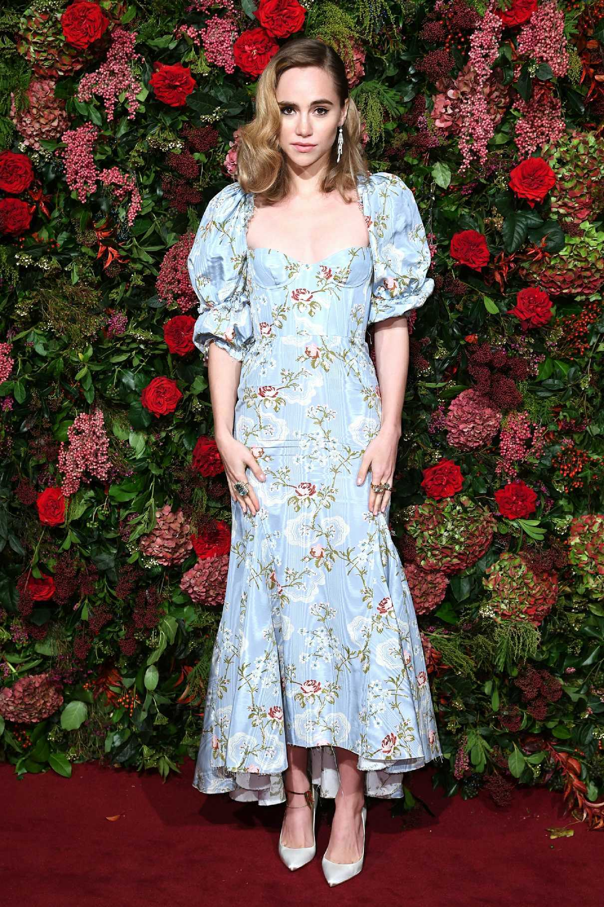 Suki Waterhouse Attends 2018 Evening Standard Theatre Awards in London 11/18/2018