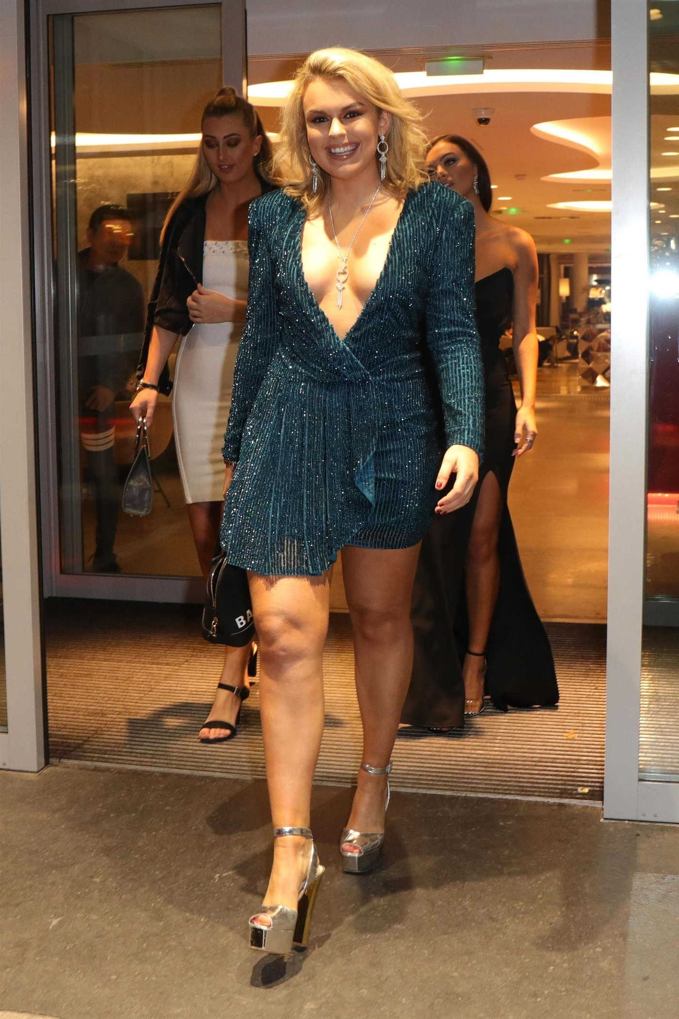 Tallia Storm in a Short Blue Dress Leaves Her Hotel In Paris 11/08/2018