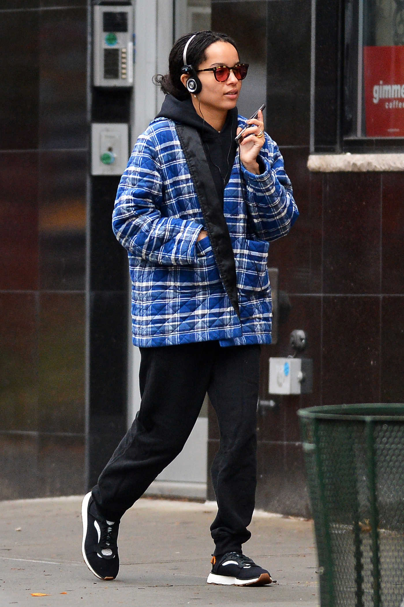 Zoe Kravitz in a Blue Plaid Jacket Was Seen Out in NYC 11/05/2018