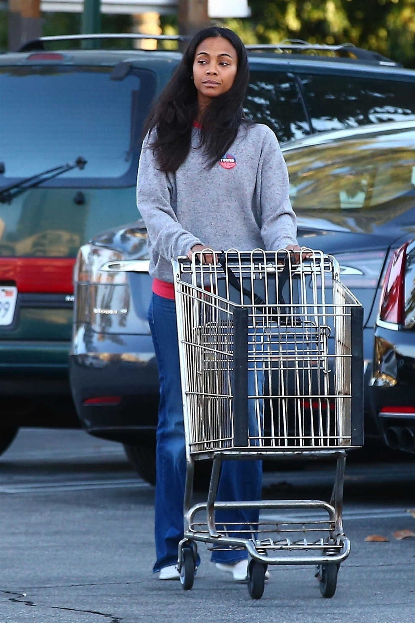 Zoe Saldana Goes Shopping at Bristol Farms in Beverly Hills 11/06/2018