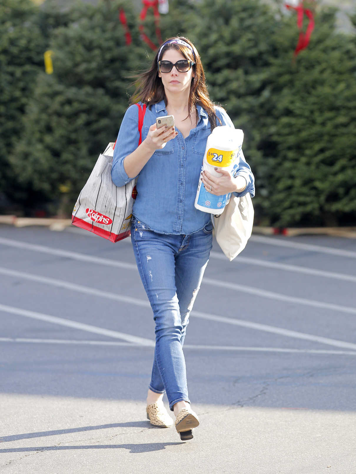 Ashley Greene in a Blue Ripped Jeans Was Seen Out in Beverly Hills 11/28/2018