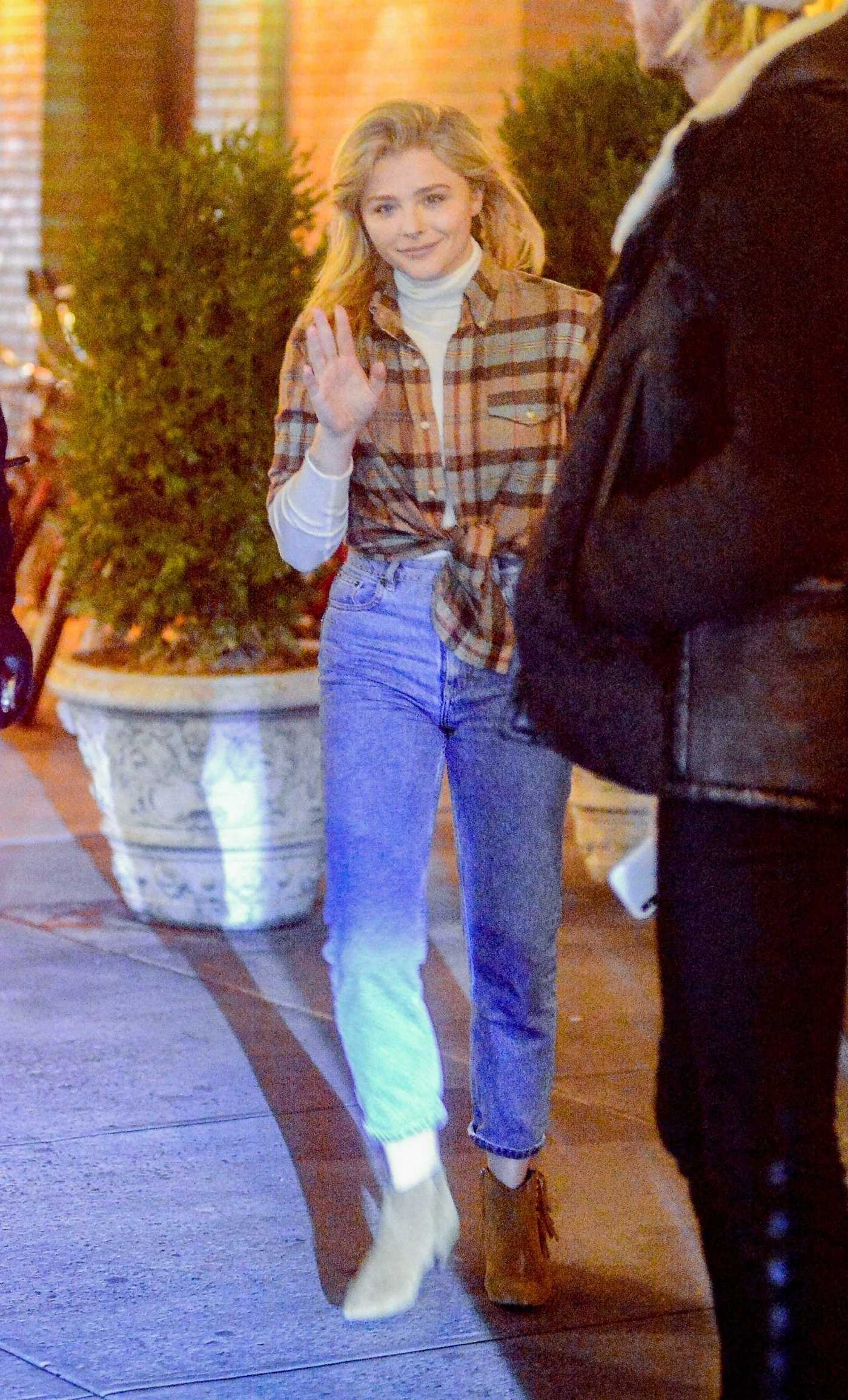 Chloe Moretz in a Plaid Shirt Was Seen Out in New York 12/18/2018