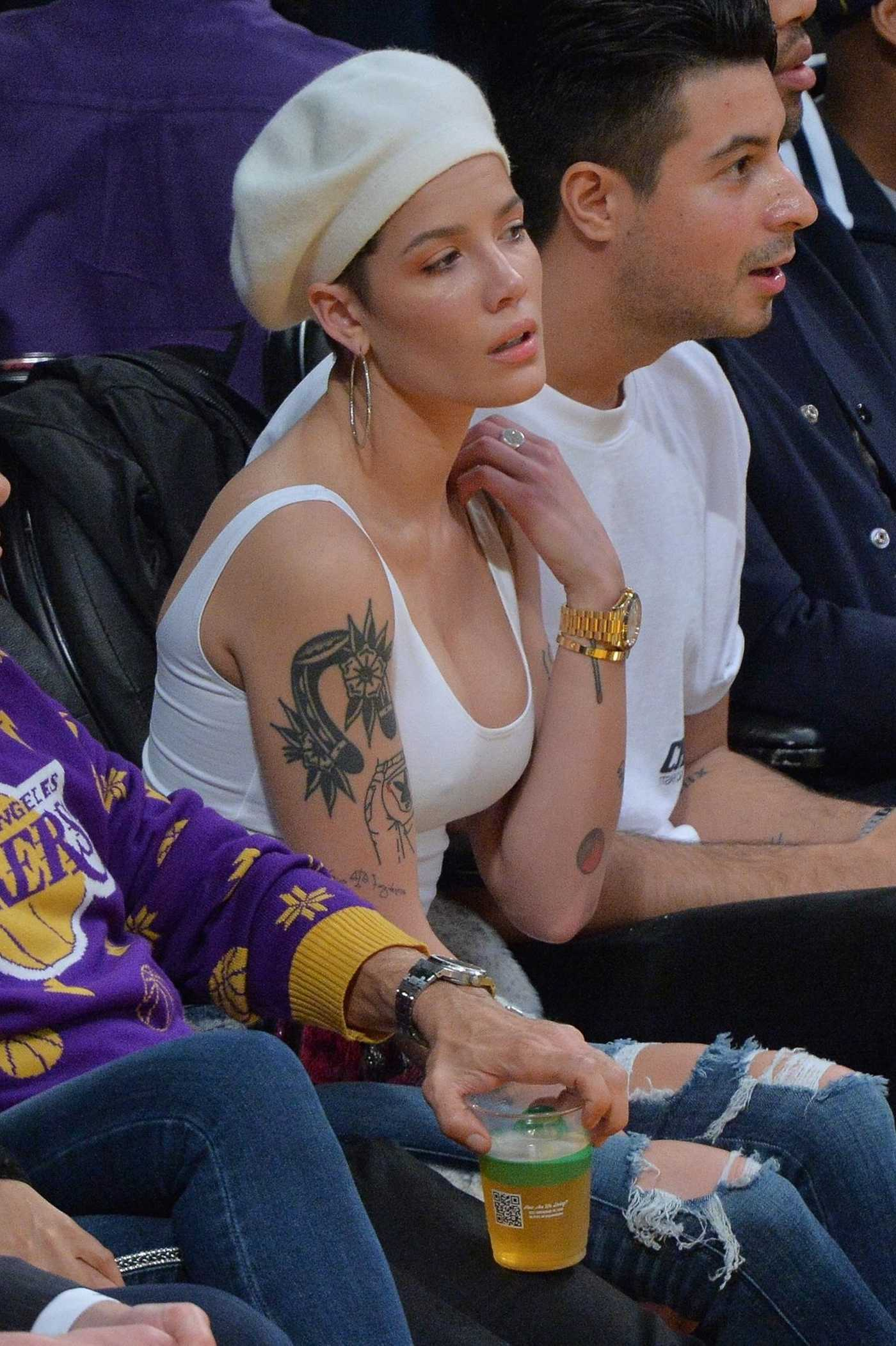 Halsey Watches Lakers Game at the Staples Center in Los Angeles 12/21/2018