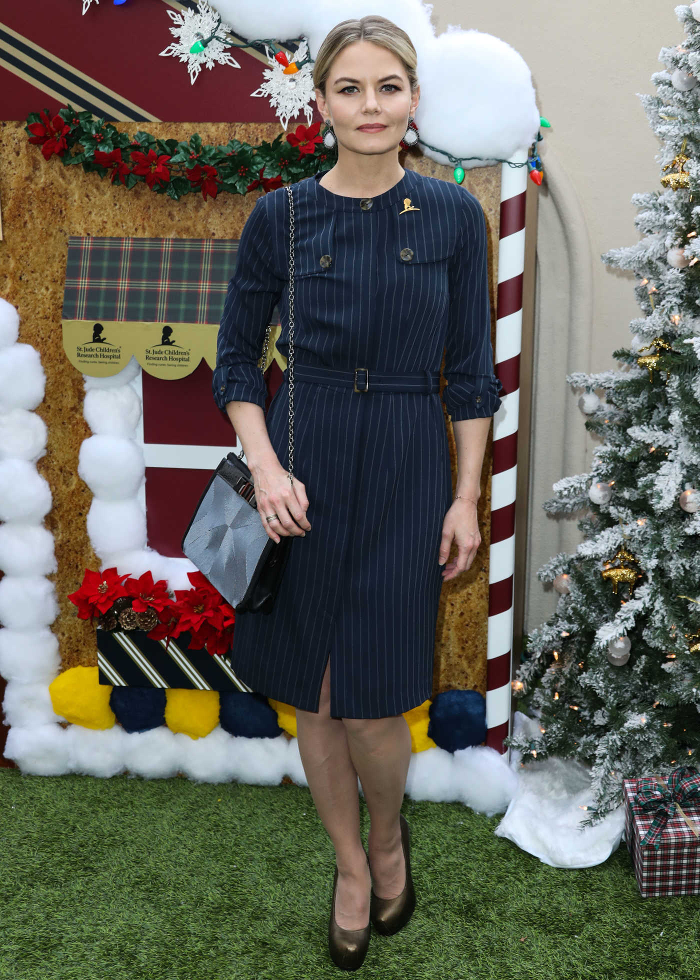 Jennifer Morrison Attends Brooks Brothers Holiday Celebration in Los Angeles 12/09/2018