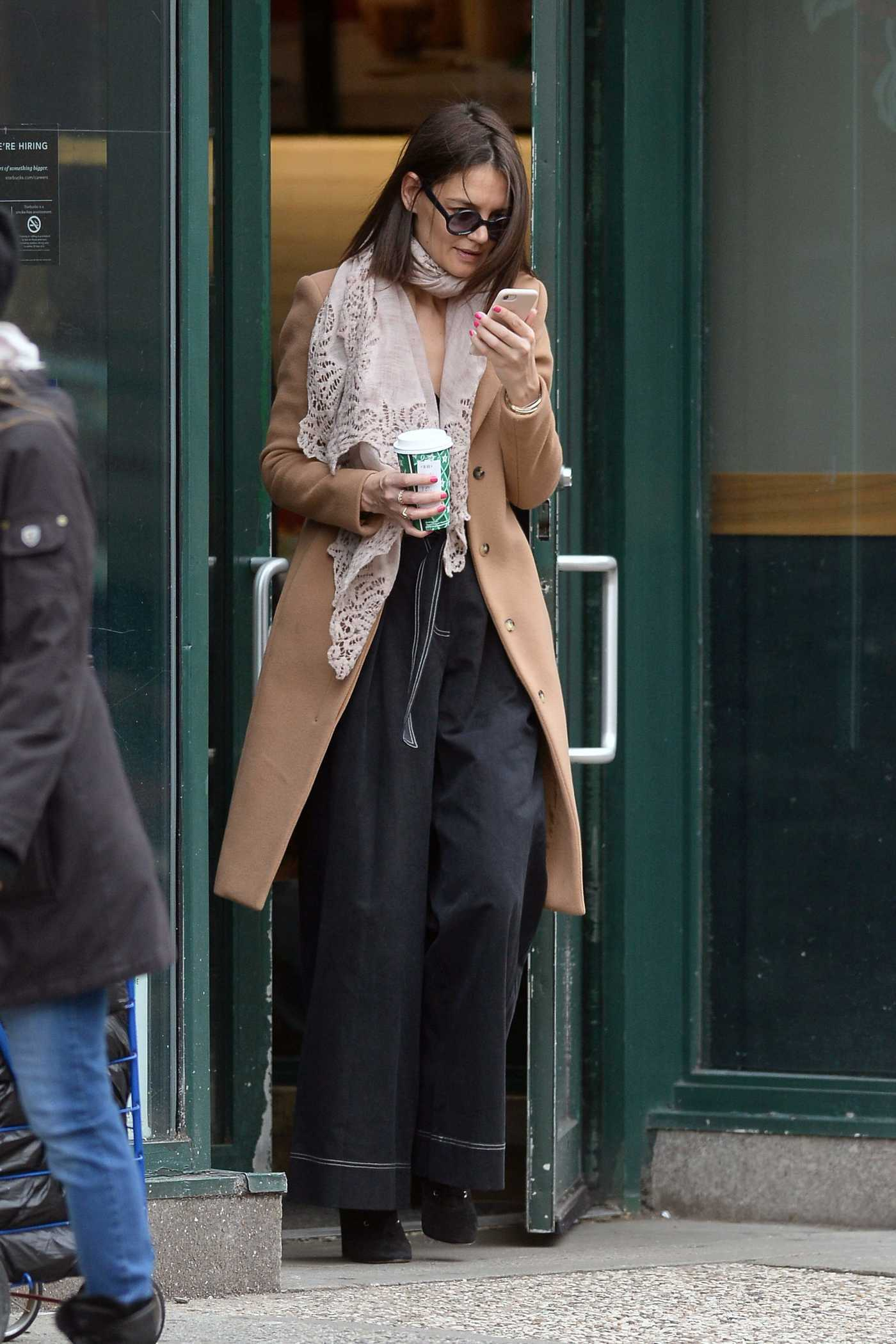 Katie Holmes in a Beige Coat Was Seen Out in New York City 12/26/2018