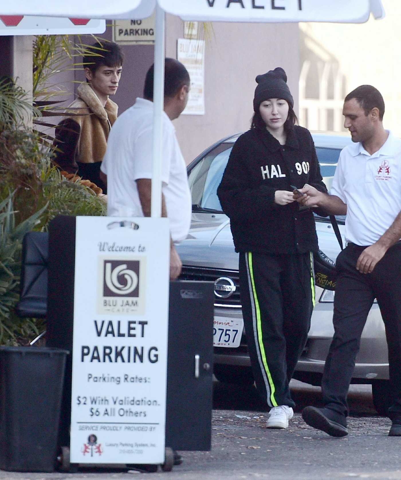 Noah Cyrus in a Black Knit Hat Leaving a Restaurant in Los Angeles 12/19/2018