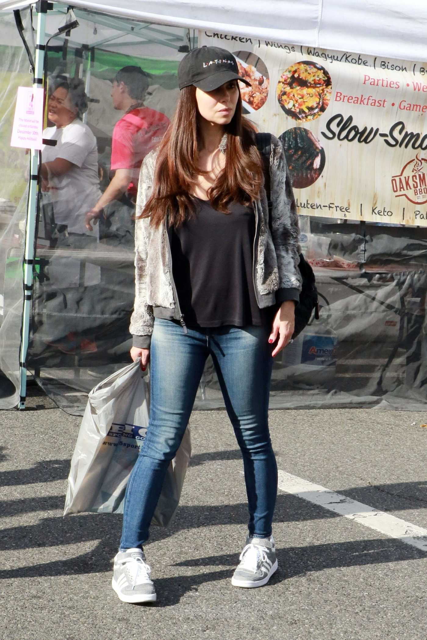 Roselyn Sanchez Attends the Farmer's Market in Los Angeles 12/23/2018