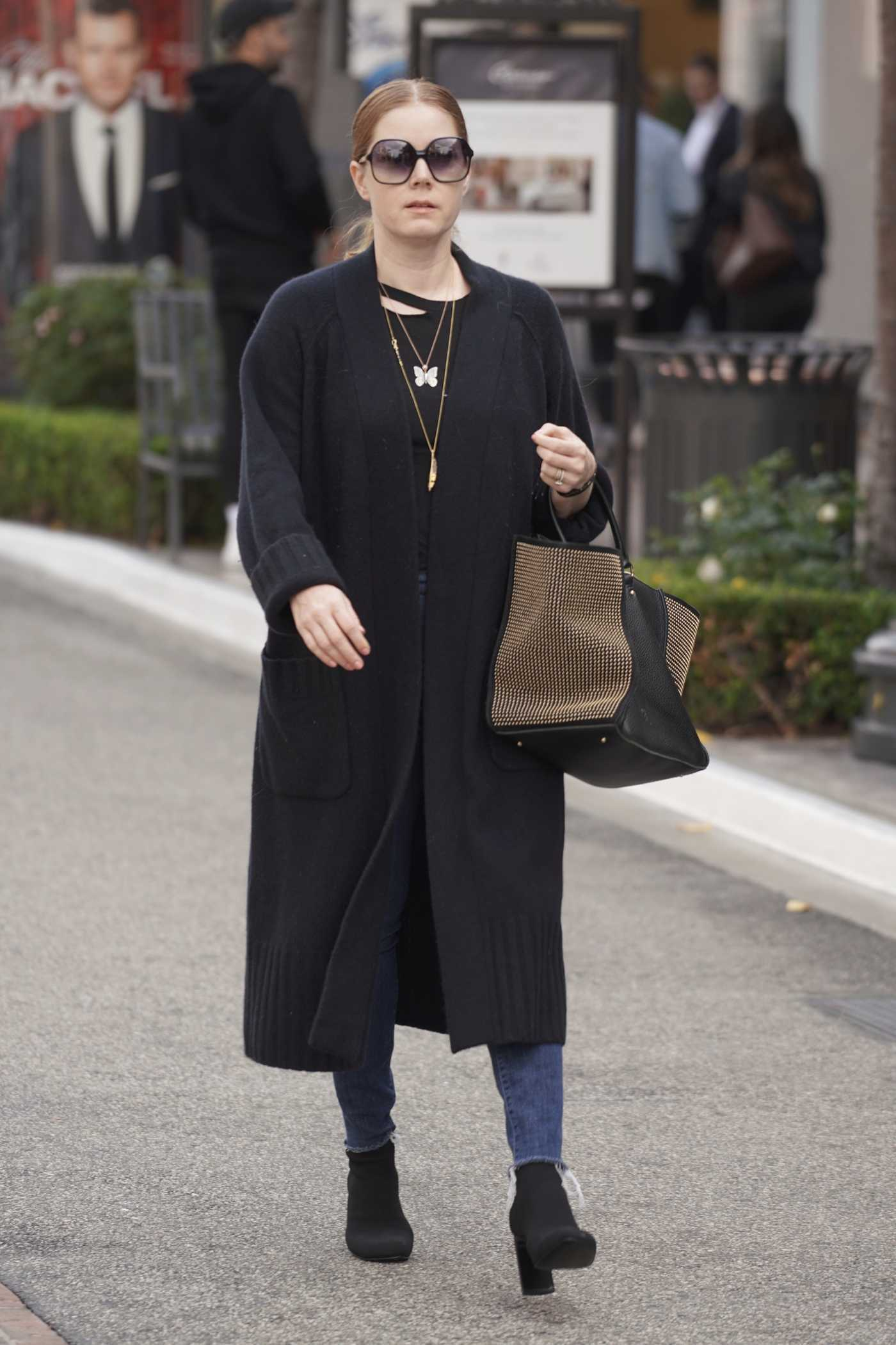 Amy Adams in a Black Cardigan Was Seen Out in Los Angeles 01/18/2019
