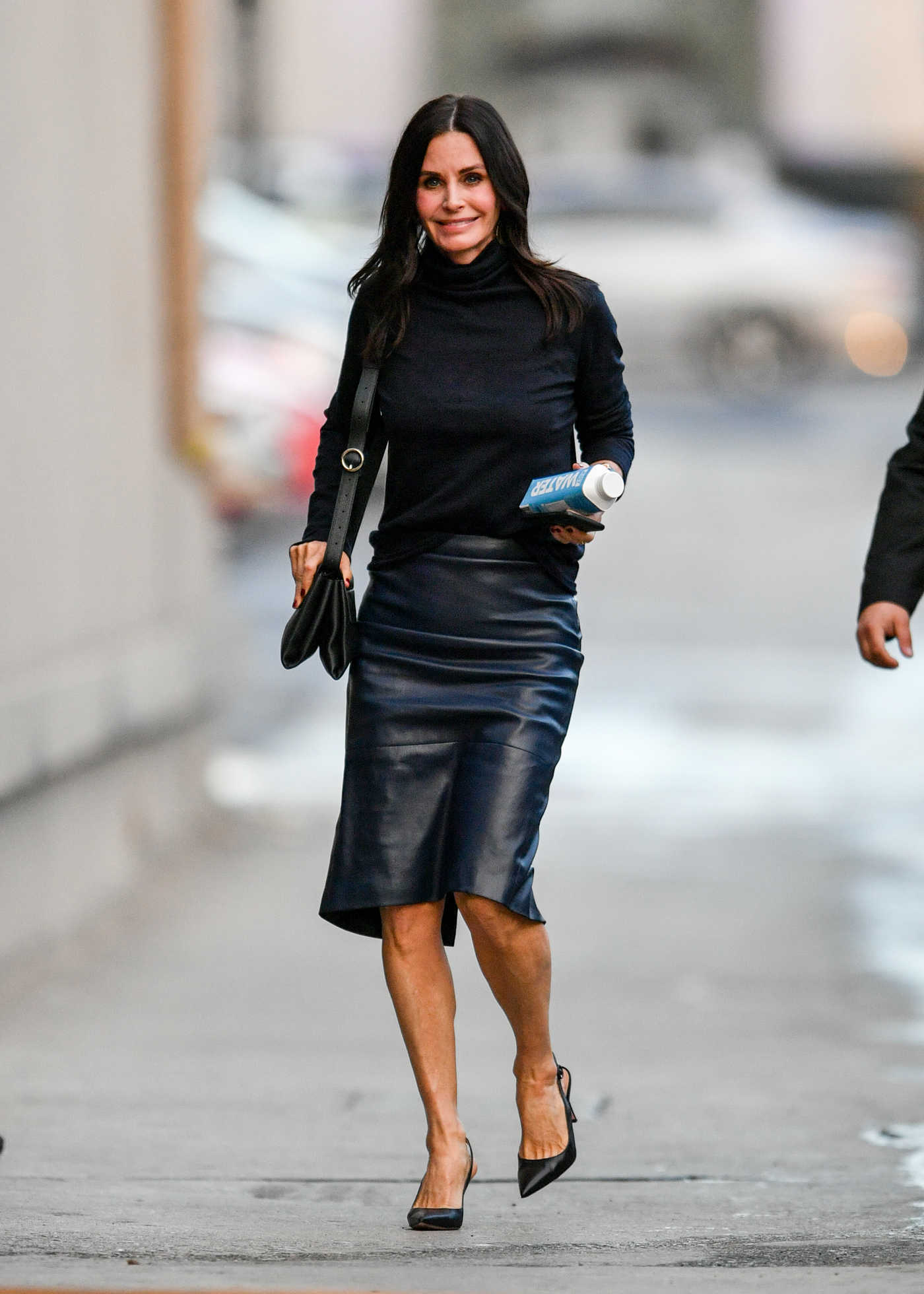 Courteney Cox in a Black Turtleneck Arrives at the Jimmy Kimmel Live! Studios in Los Angeles 01/07/2019