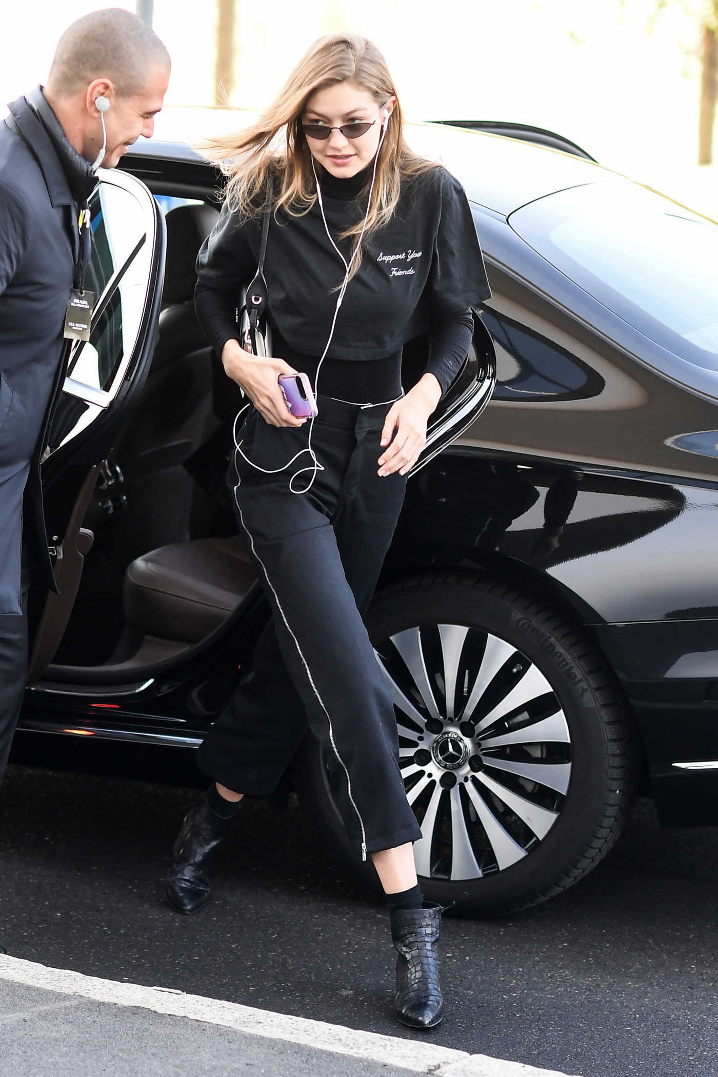 Gigi Hadid in a Black Pants Was Seen Out in Milan 01/13/2019