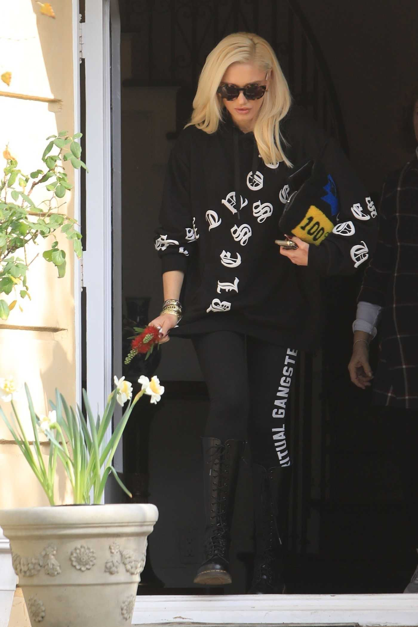 Gwen Stefani in a Black Hoody Enjoys a Lunch Date in Las Vegas 01/18/2019