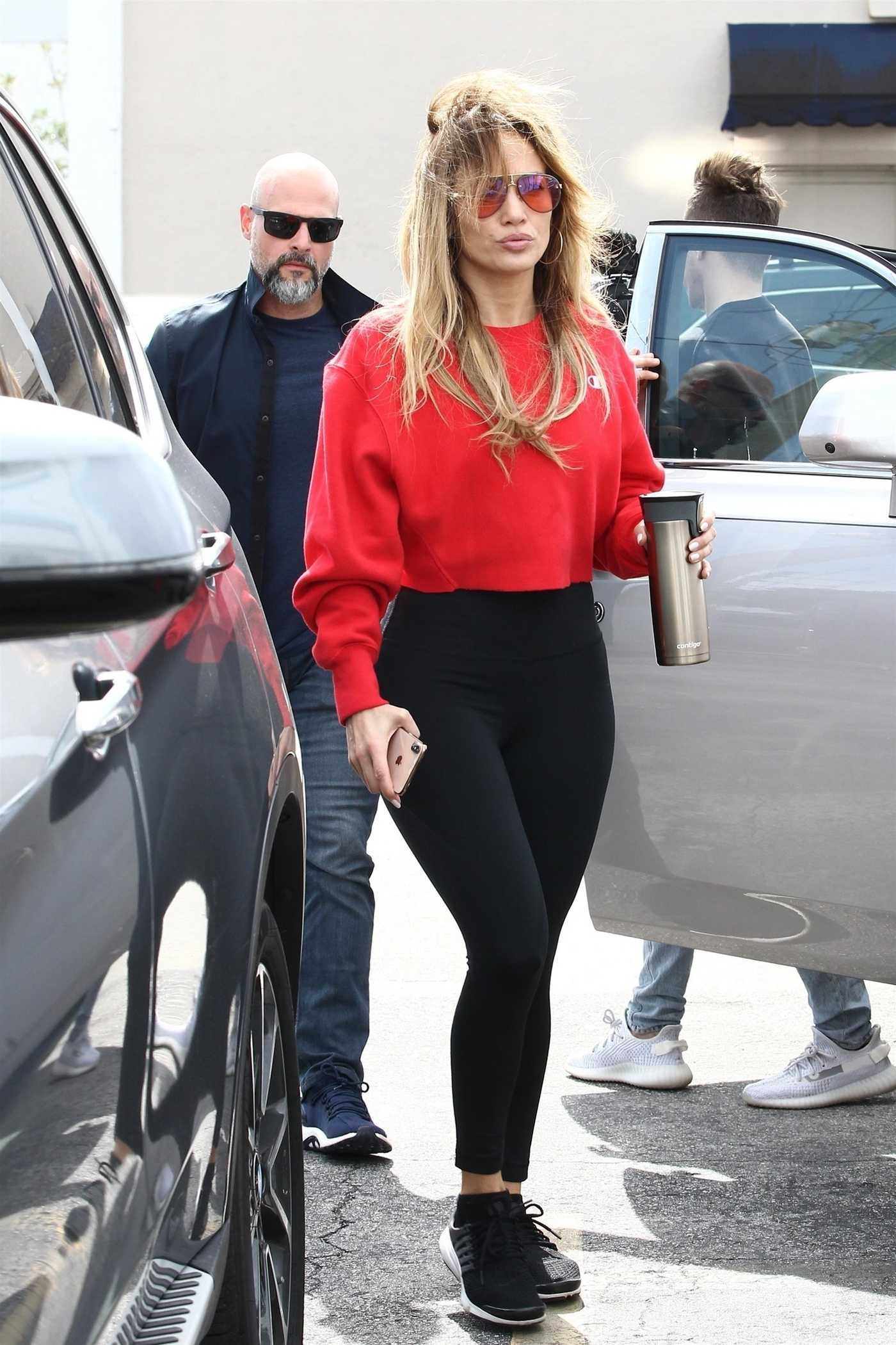 Jennifer Lopez in a Red Cropped Sweatshirt Hits the Gym in Miami  01/23/2019