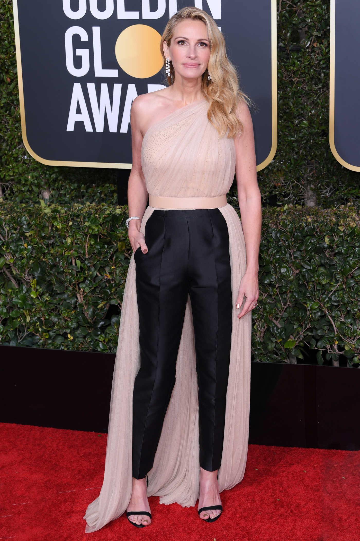 Julia Roberts Attends the 76th Annual Golden Globe Awards in Beverly Hills 01/06/2019
