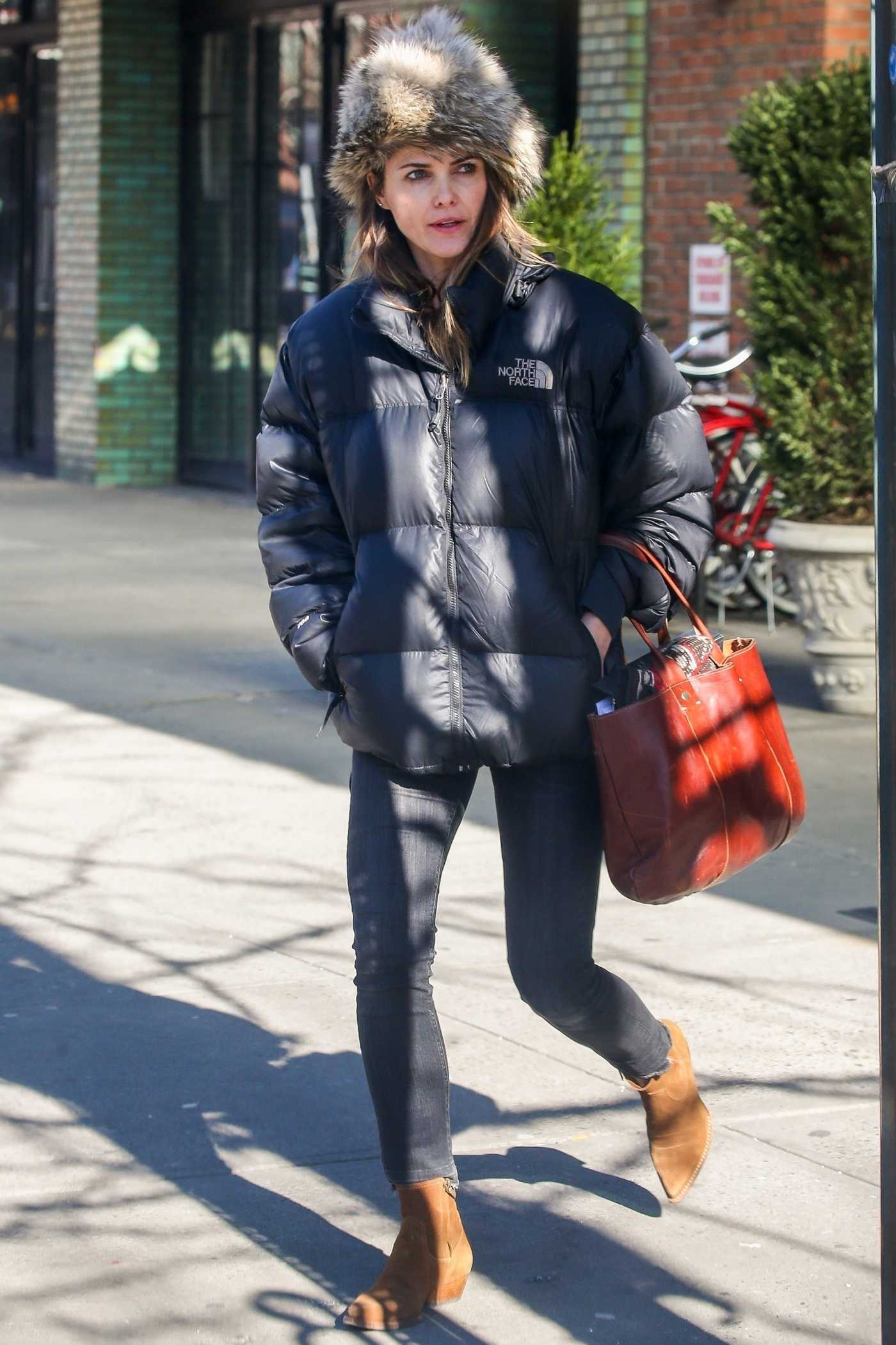 Keri Russell in a Black Puffer Jacket Was Seen Out in NYC 01/22/2019