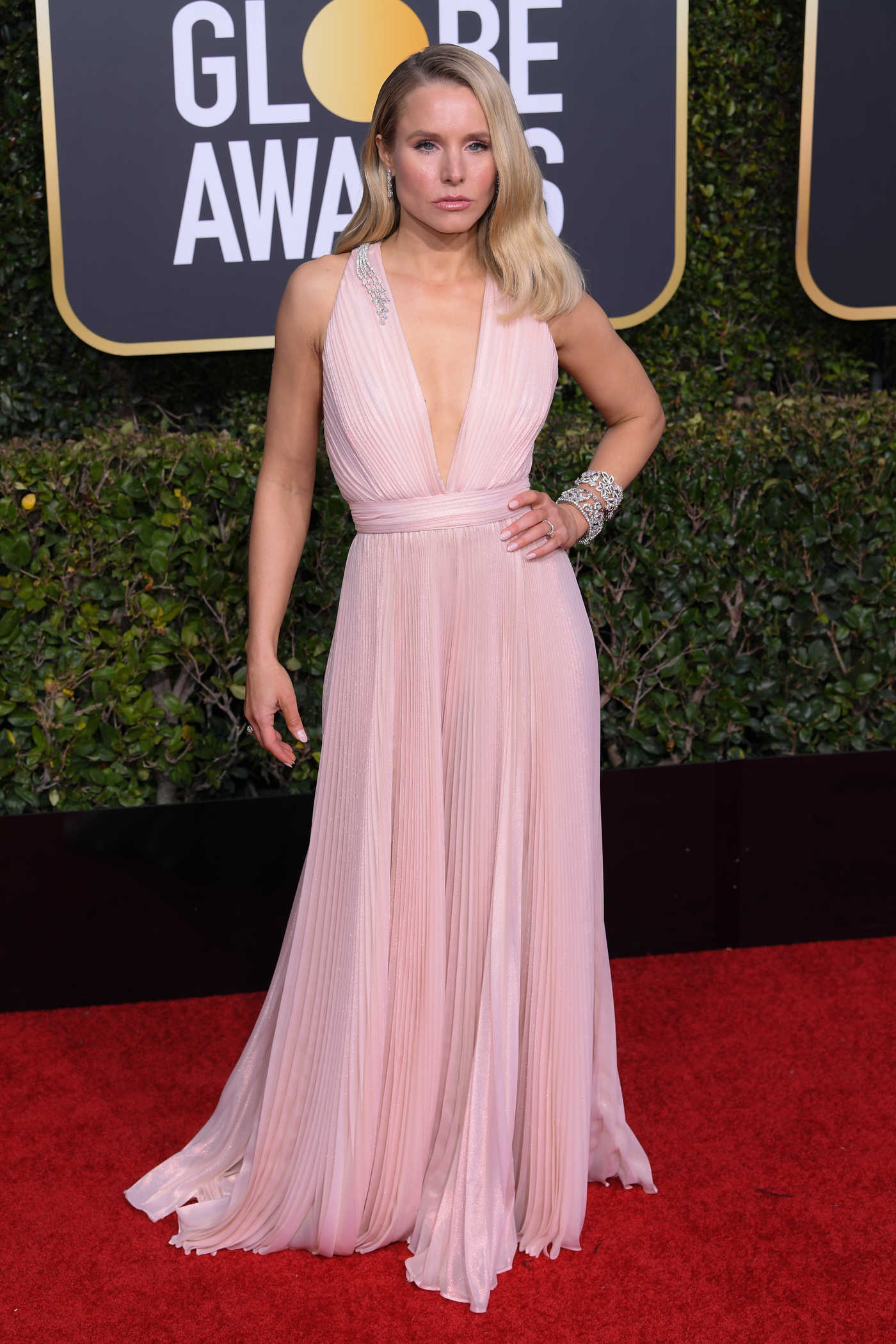 Kristen Bell Attends the 76th Annual Golden Globe Awards in Beverly Hills 01/06/2019