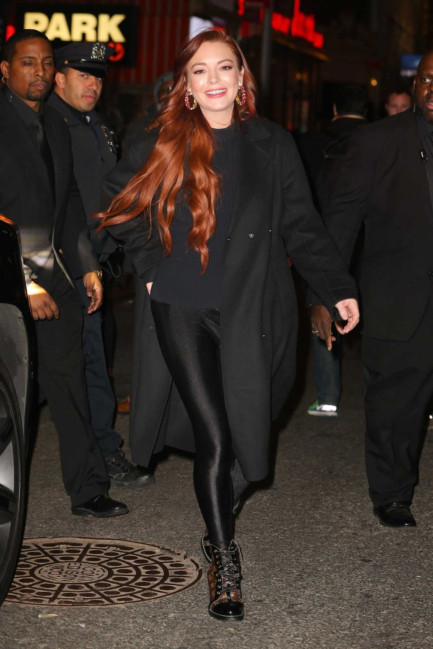 Lindsay Lohan in a Black Coat Leaves the MTV Studios in NYC 01/04/2019