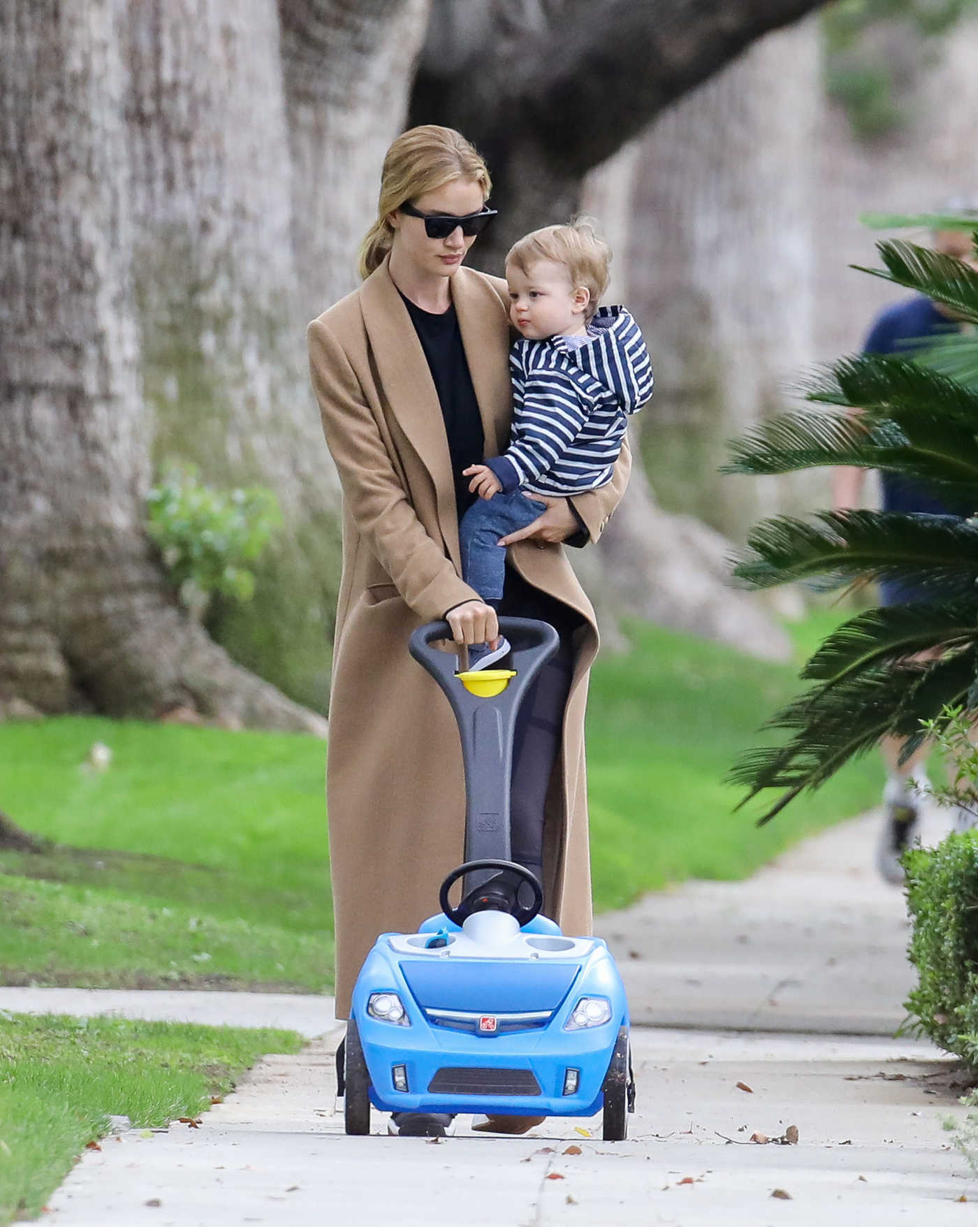 Rosie Huntington-Whiteley Walks with Her Son Jack Out in Los Angeles 01/13/2019