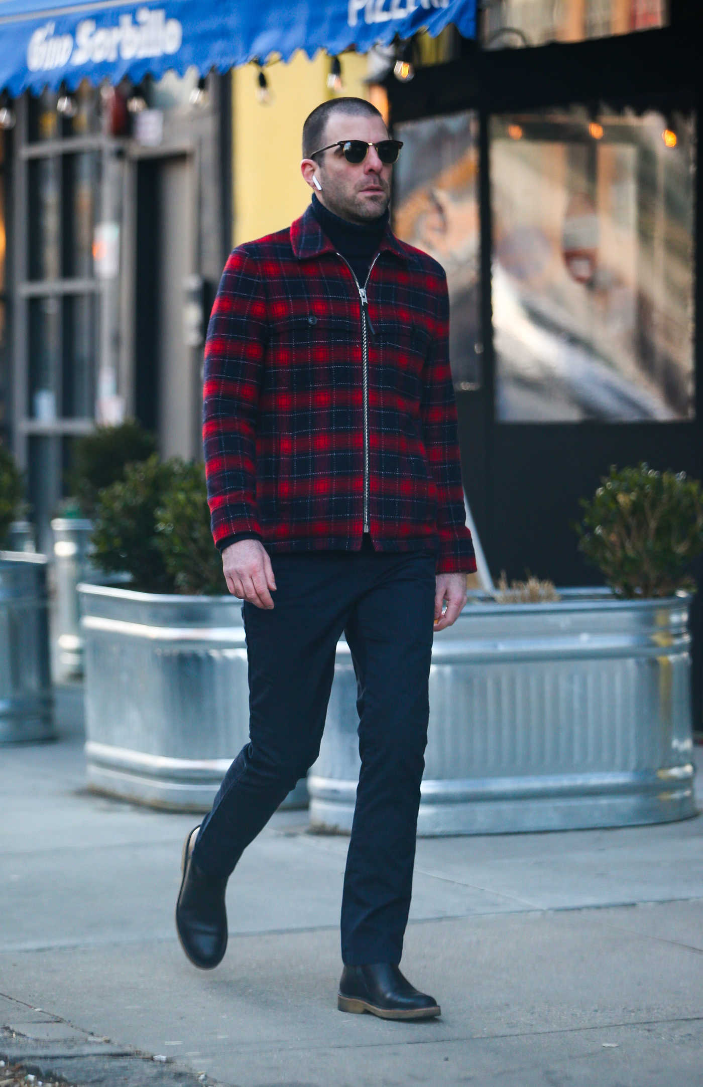 Zachary Quinto in a Plaid Jacket Was Seen Out in New York 01/27/2019