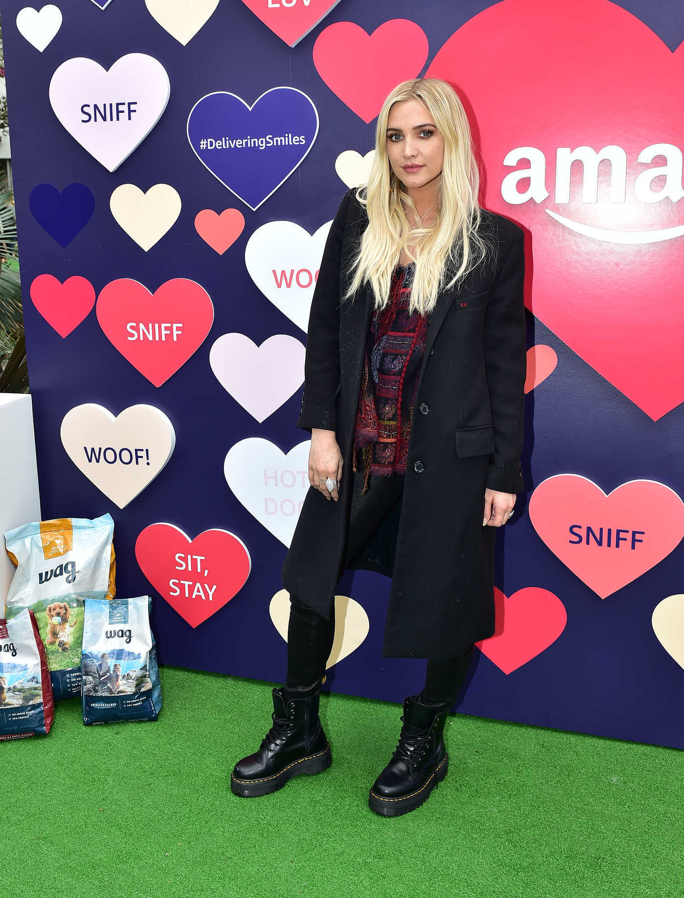 Ashlee Simpson Attends Amazon's Valentine's Pup-Up in Los Angeles 02/09/2019