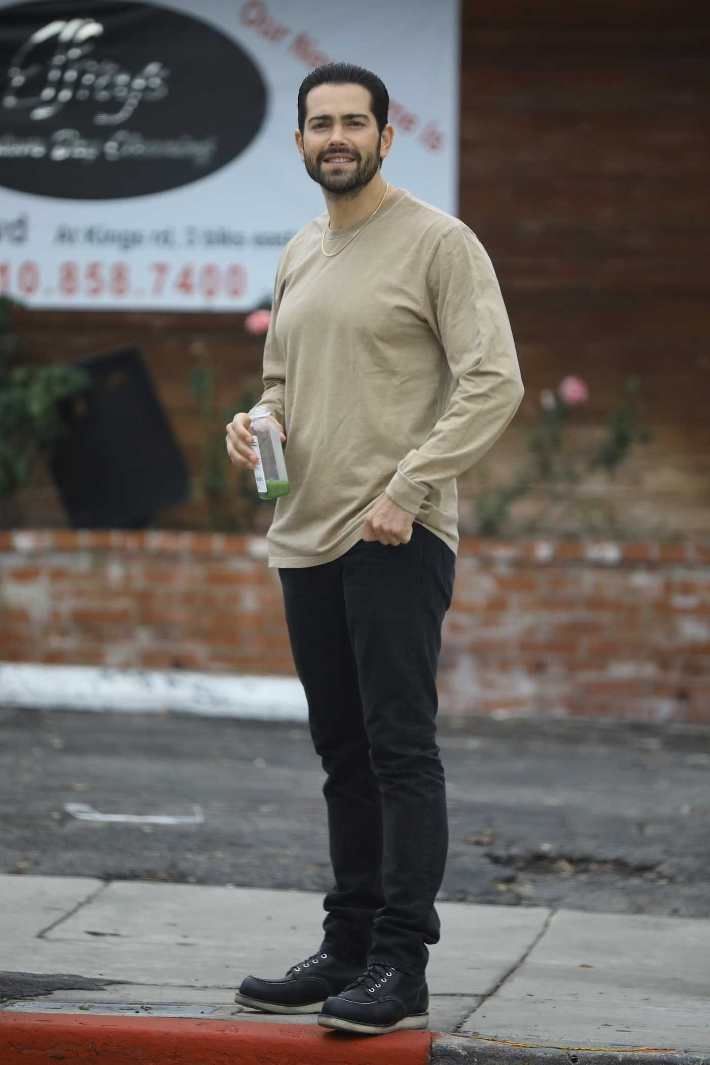 Jesse Metcalfe in a Beige Long Sleeves T-Shirt Was Seen Out in Beverly Hills 02/13/2019