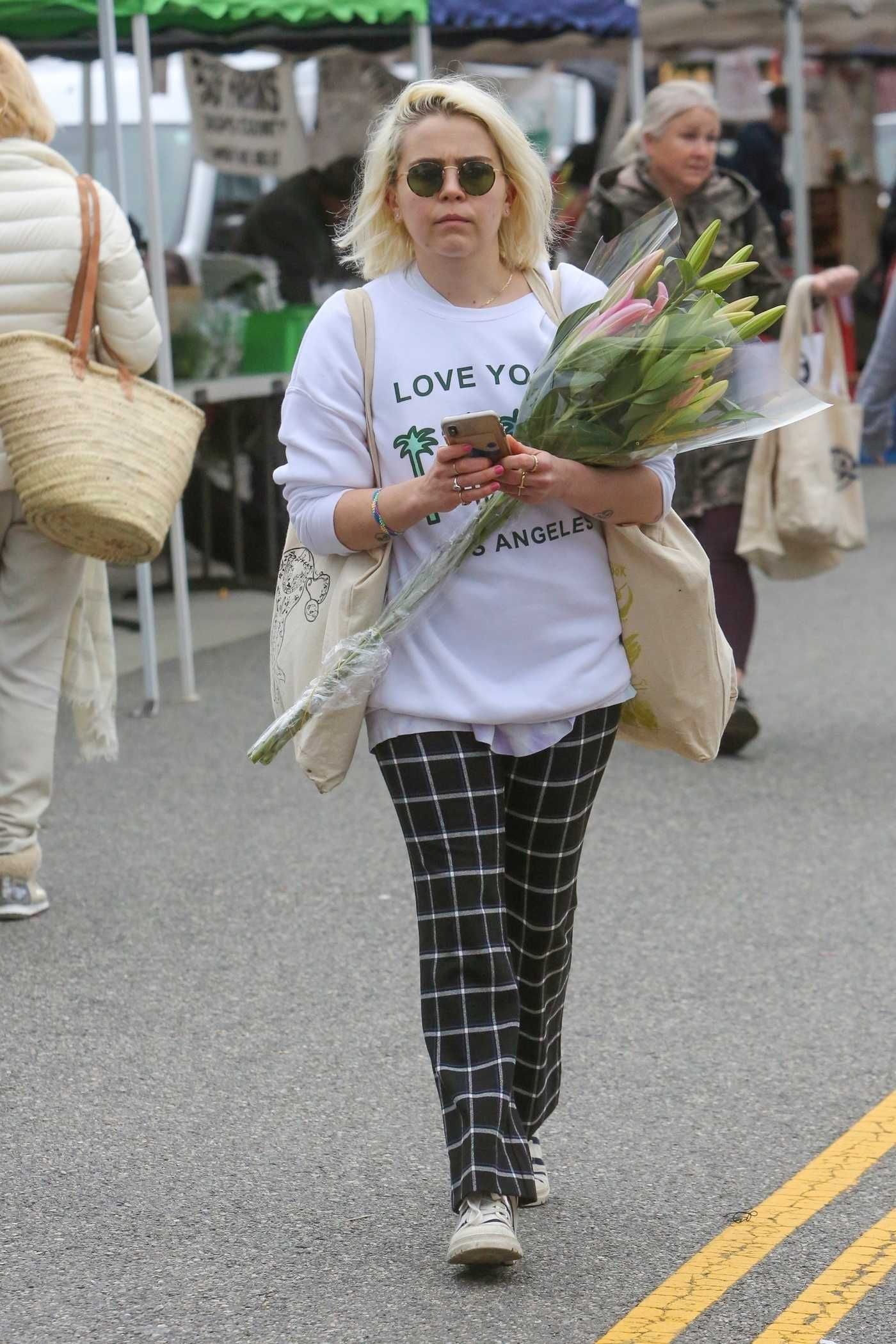 Mae Whitman in a White Sweatshirt Goes Shopping at the Farmers Market in Studio City 02/17/2019
