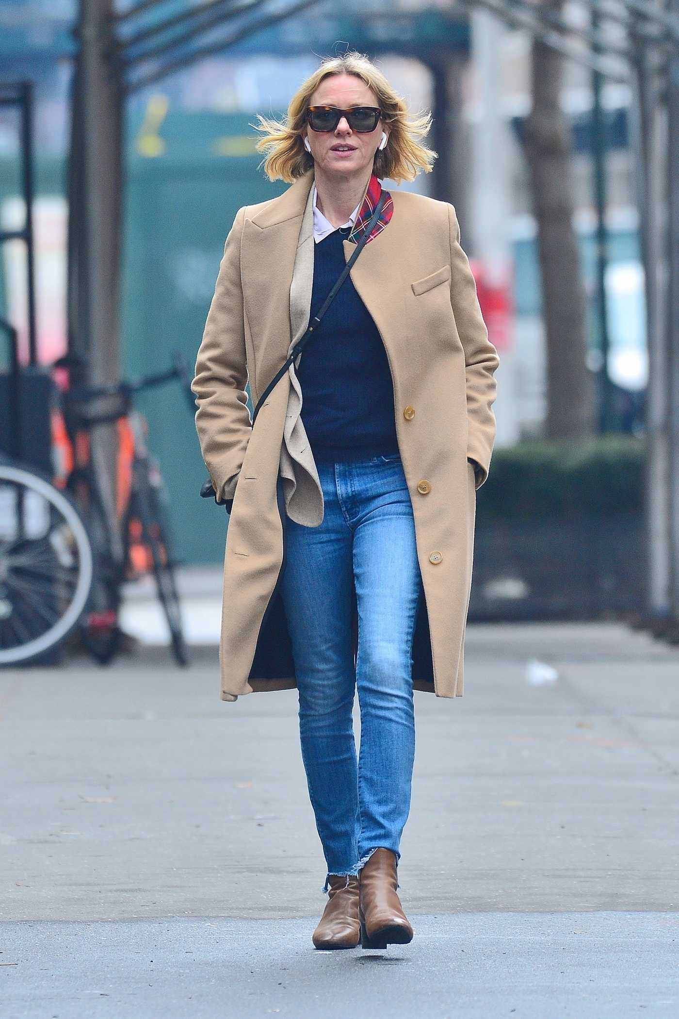 Naomi Watts in a Beige Coat Was Seen Out in NYC 02/05/2019