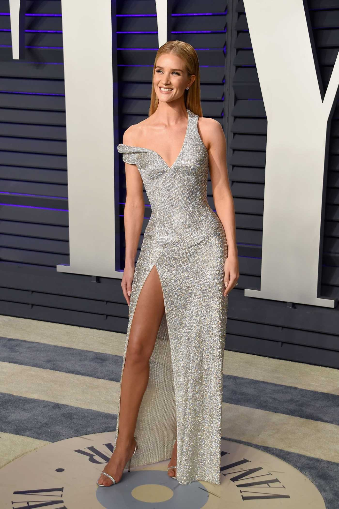 Rosie Huntington-Whiteley Attends 2019 Vanity Fair Oscar Party in Beverly Hills 02/24/2019