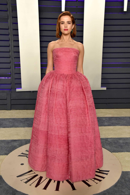Zoey Deutch Attends 2019 Vanity Fair Oscar Party in Beverly Hills 02/24/2019