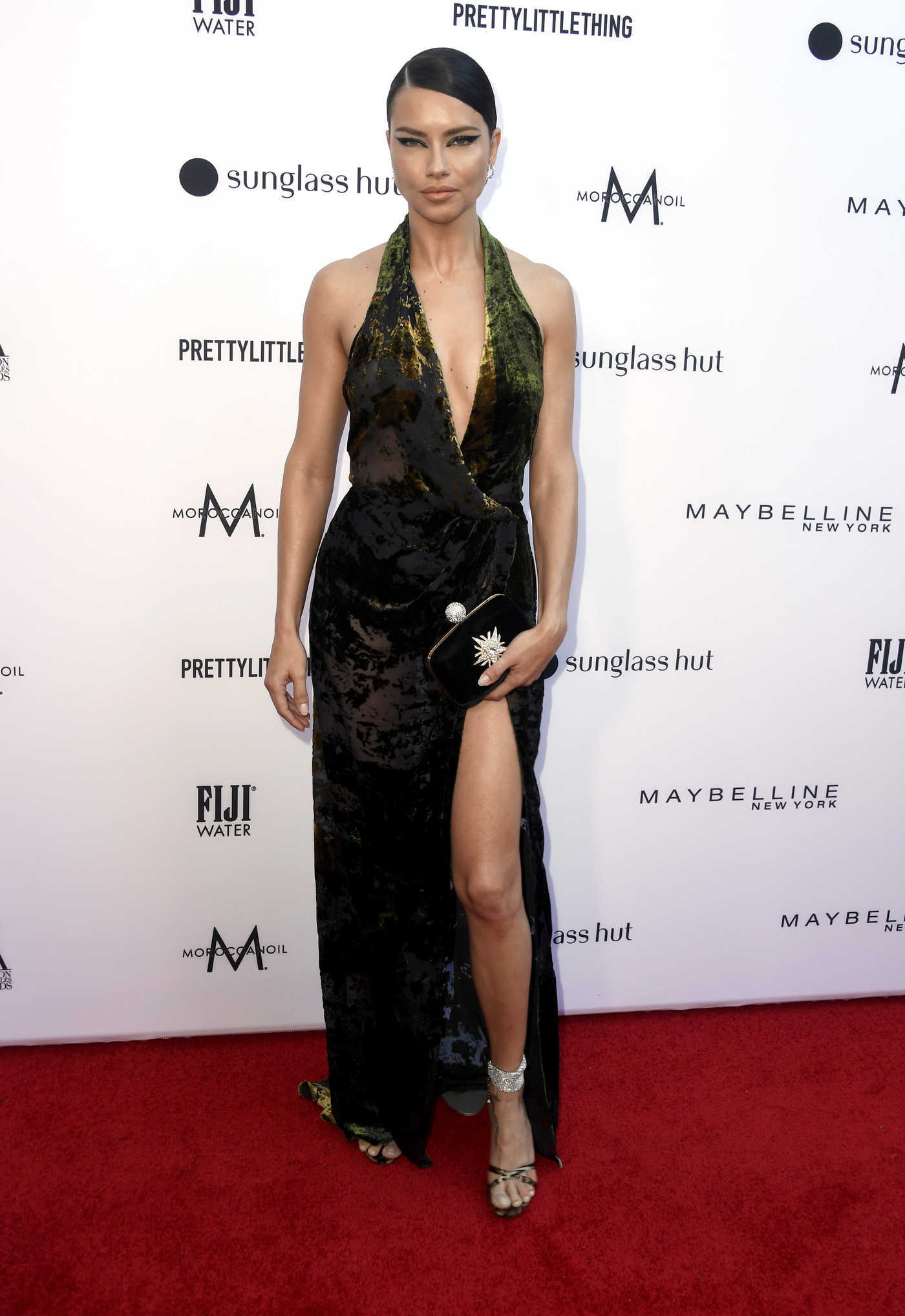 Adriana Lima Attends The Daily Front Row Fashion Awards at The Beverly Hills Hotel in Los Angeles 03/17/2019