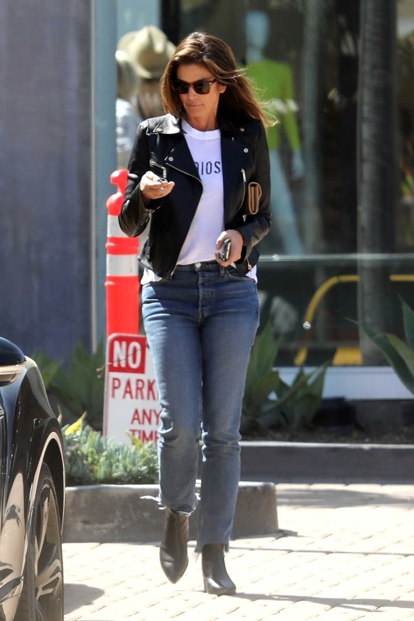 Cindy Crawford in a Black Leather Jacket Was Seen Out in Malibu 03/29/2019