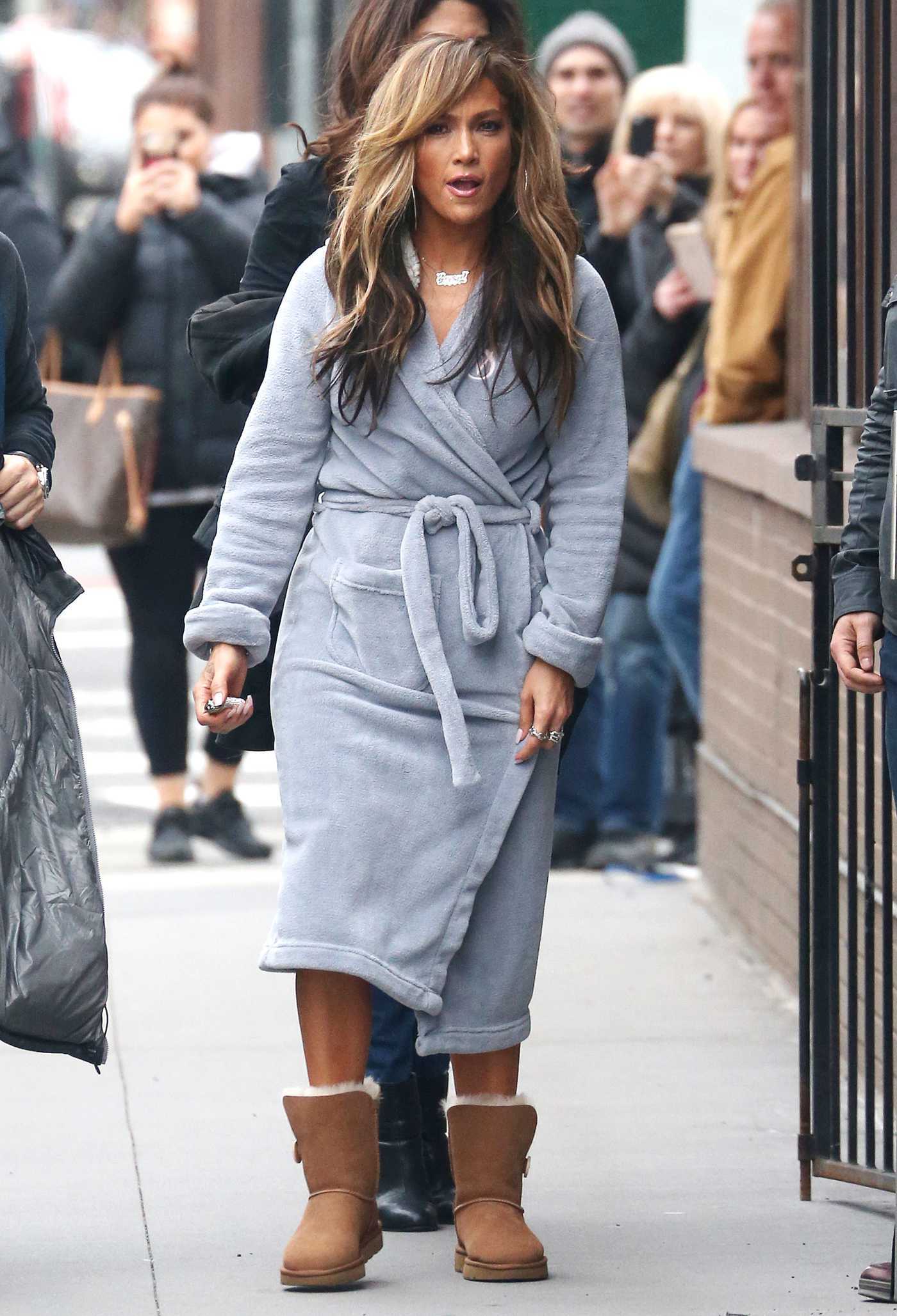 Jennifer Lopez in a Gray Bathrobe on the Set of Hustlers in New York 03/28/2019