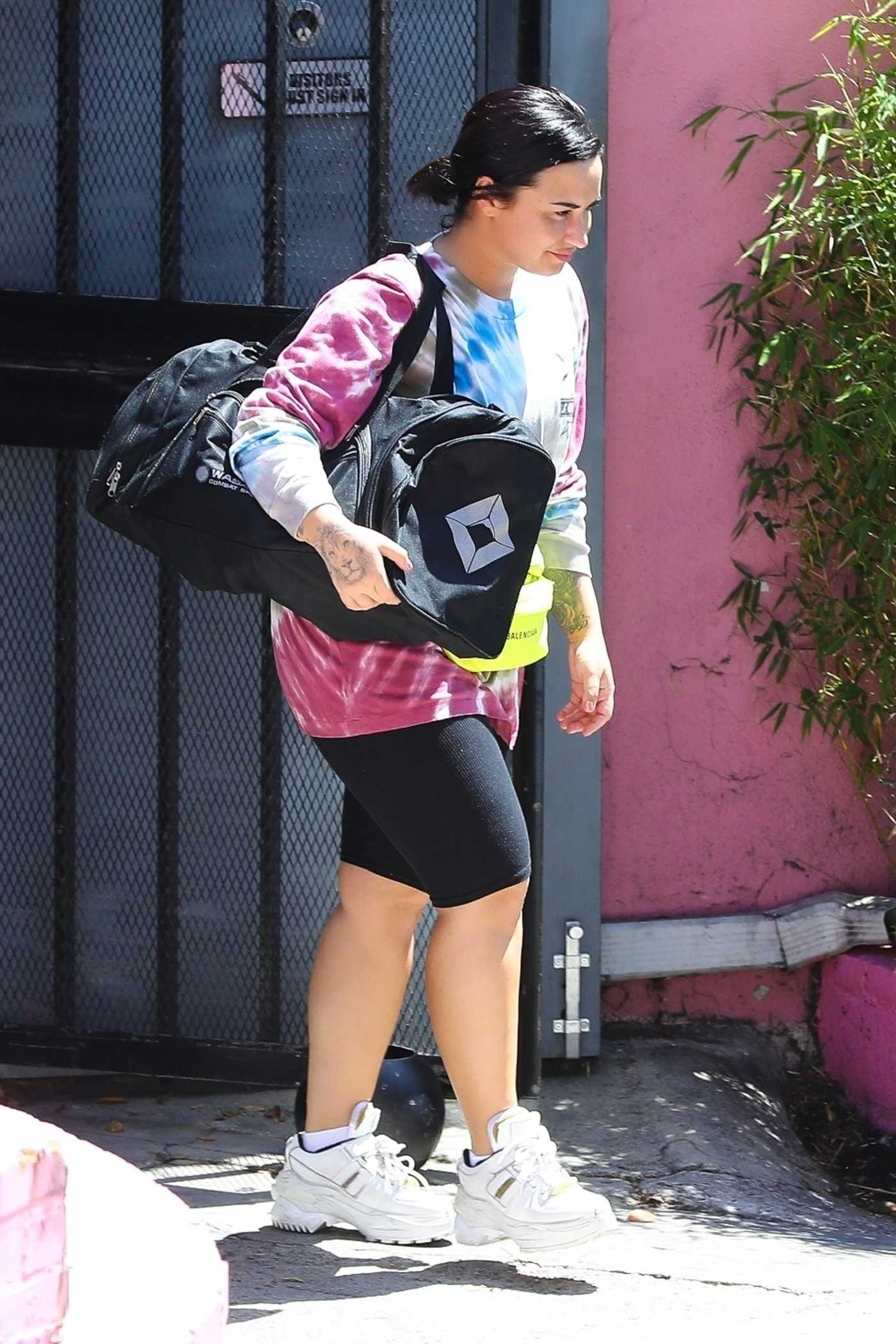 Demi Lovato in a Black Leggings Shorts Leaves the Gym in Los Angeles 04/17/2019