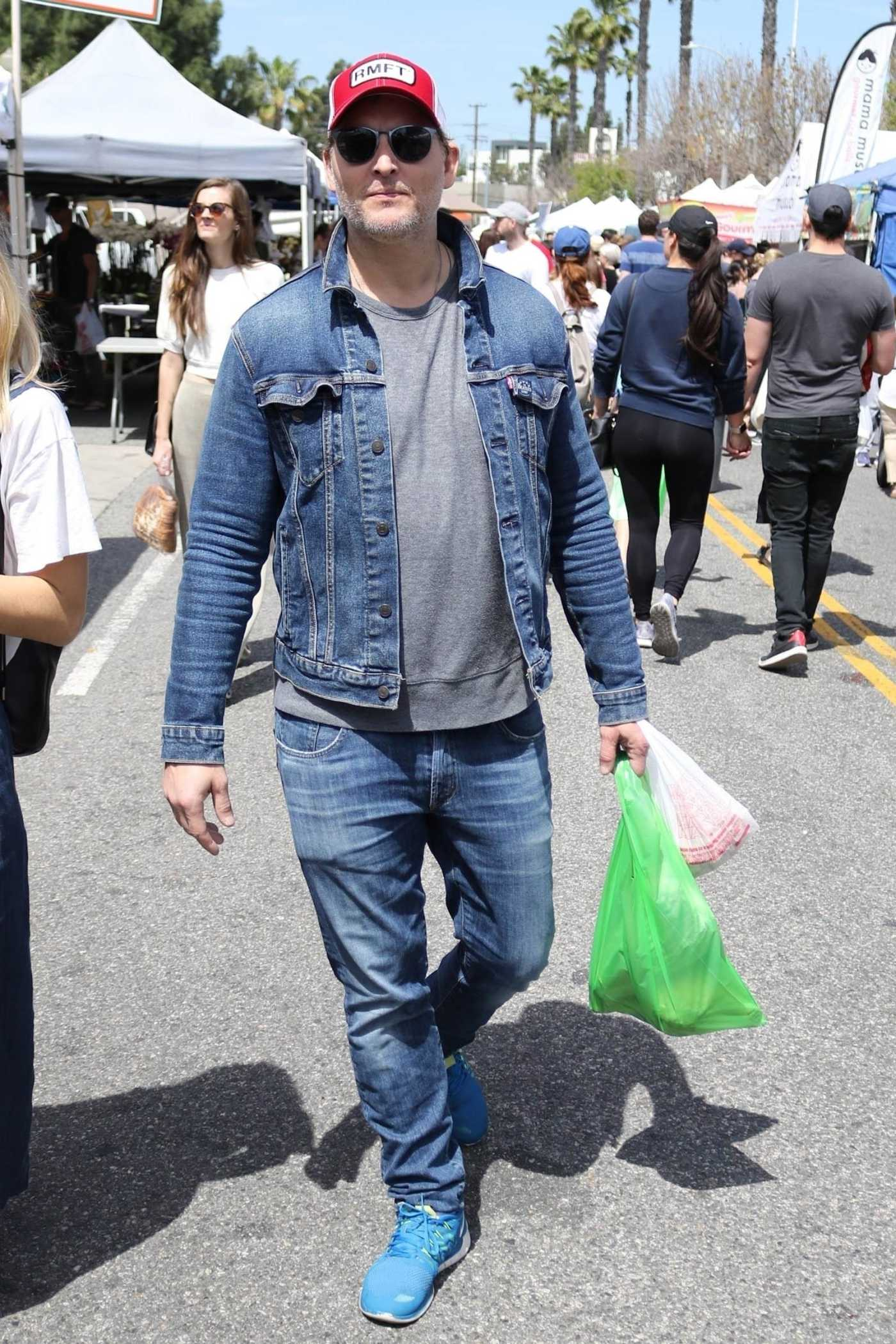 Peter Facinelli in a Blue Sneakers Was Seen Out at the Farmer's Market in Studio City 04/14/2019