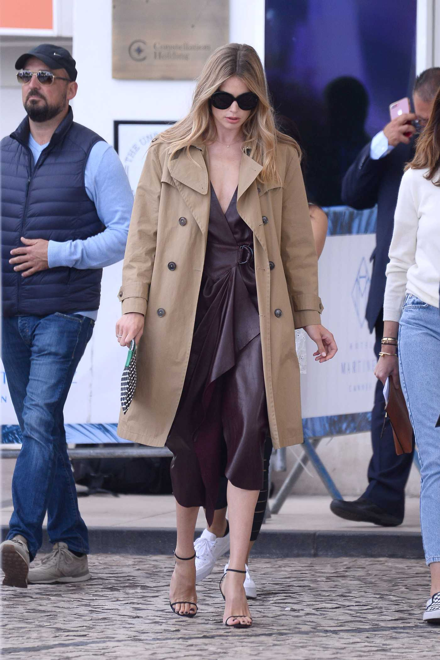 Doutzen Kroes in a Beige Trench Coat Was Seen Out in Cannes 05/20/2019