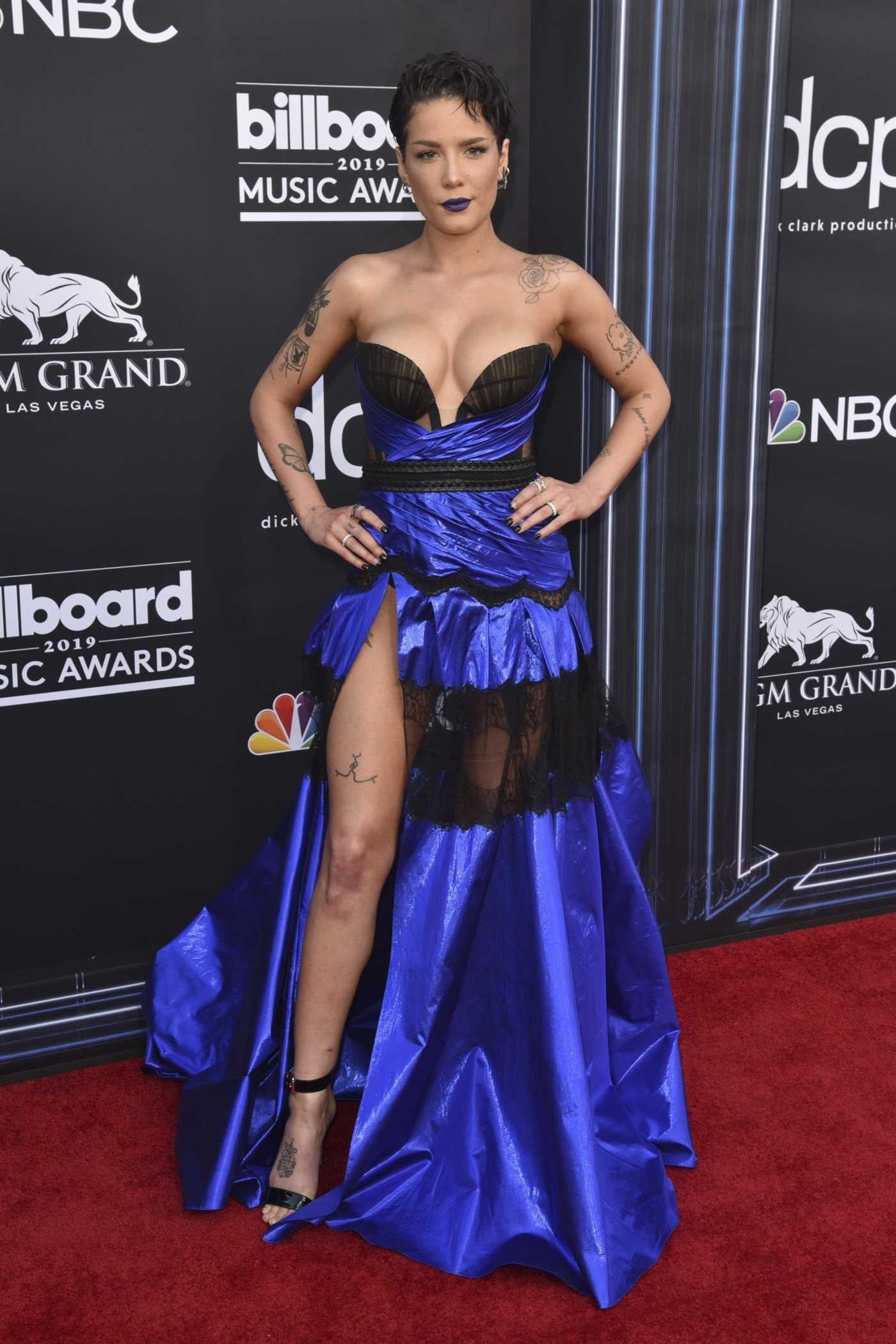 Halsey Attends 2019 Billboard Music Awards at MGM Grand Garden Arena in Las Vegas 05/01/2019