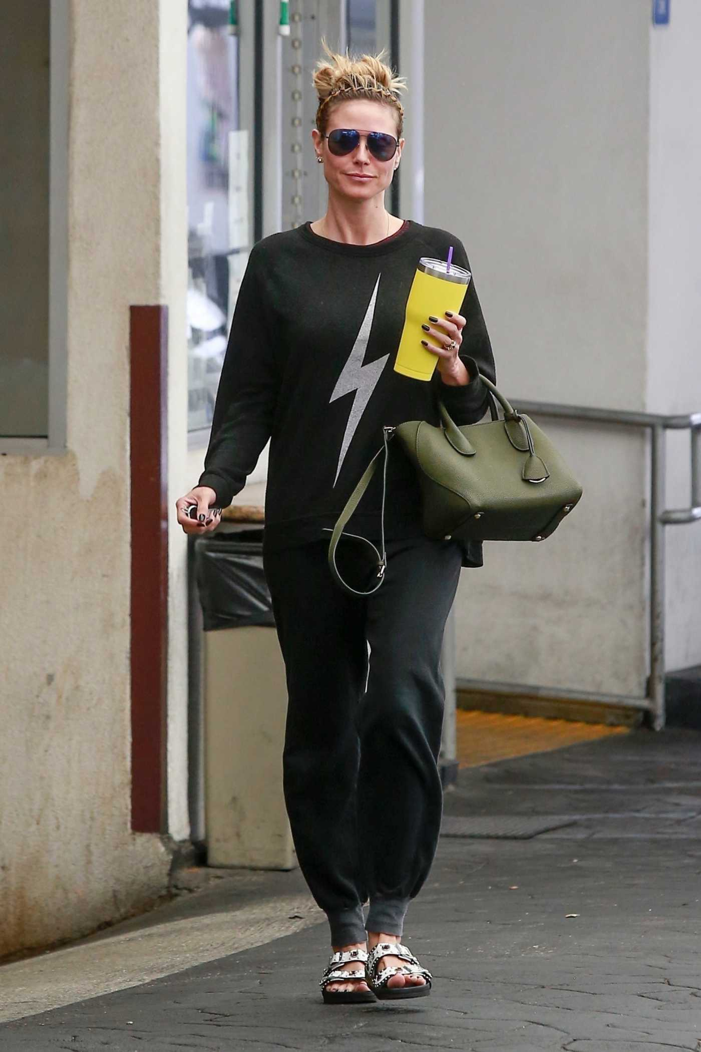 Heidi Klum in a Black Sweatshirt Visits Her Dermatologist in Beverly Hills 05/17/2019
