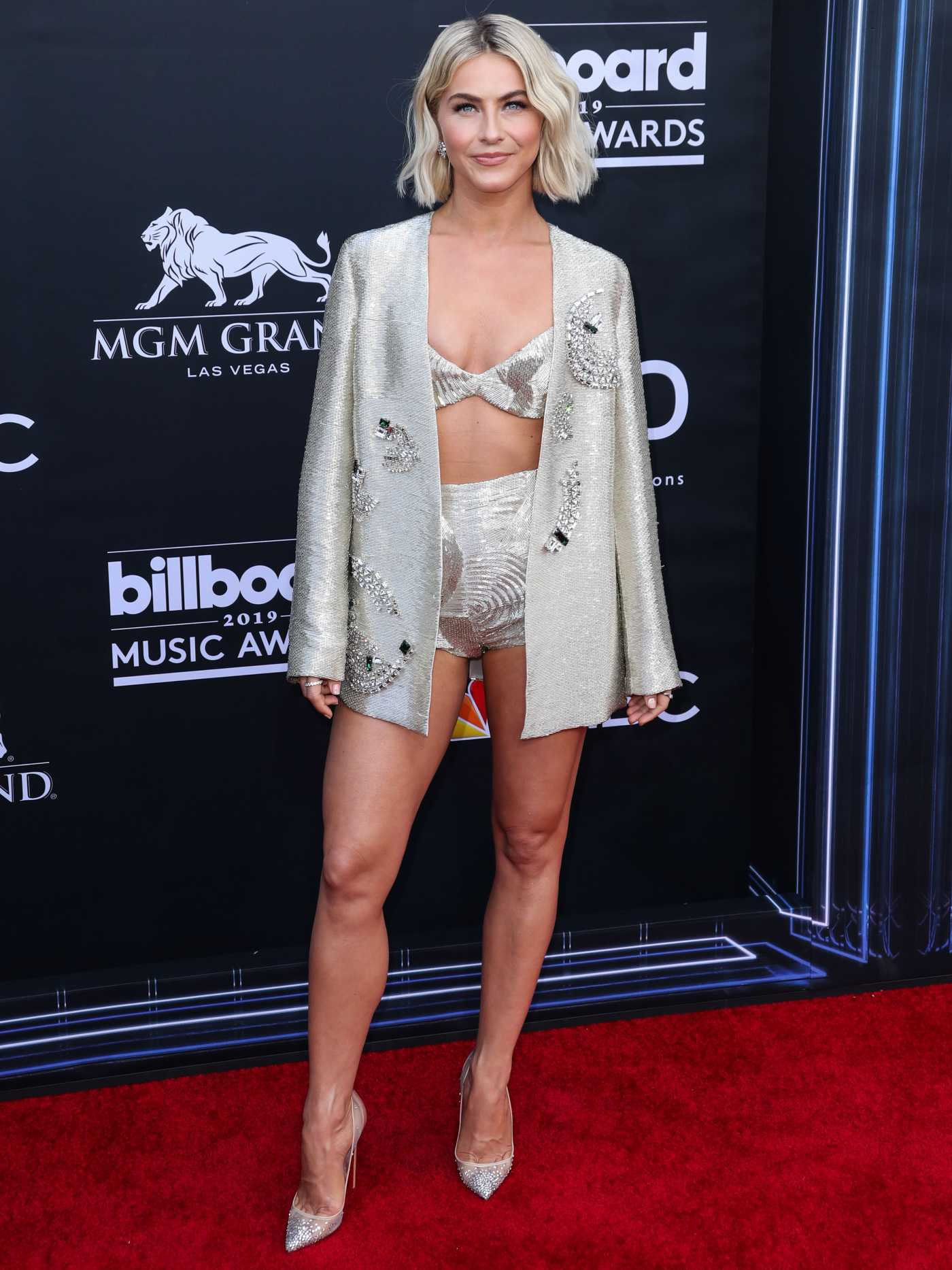 Julianne Hough Attends 2019 Billboard Music Awards at MGM Grand Garden Arena in Las Vegas 05/01/2019