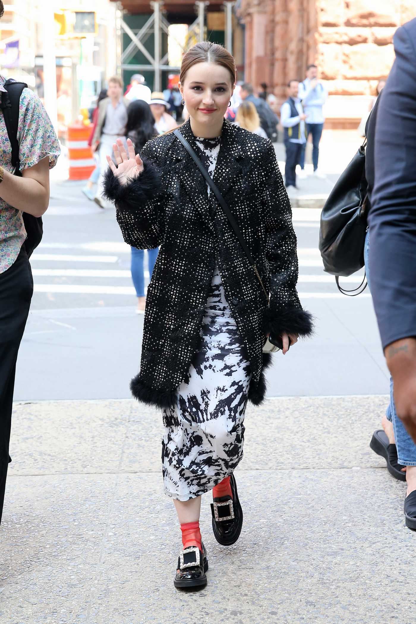 Kaitlyn Dever in a Gray Coat Was Seen Out in NYC 05/23/2019