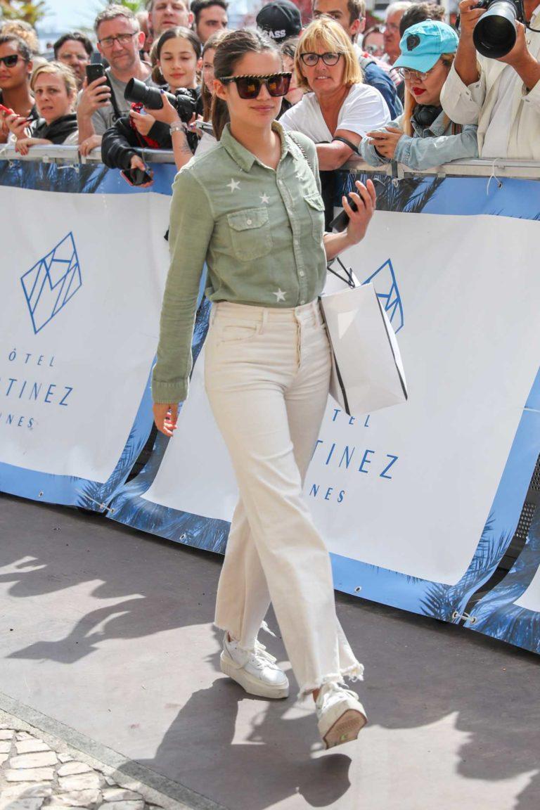 Sara Sampaio in a White Jeans