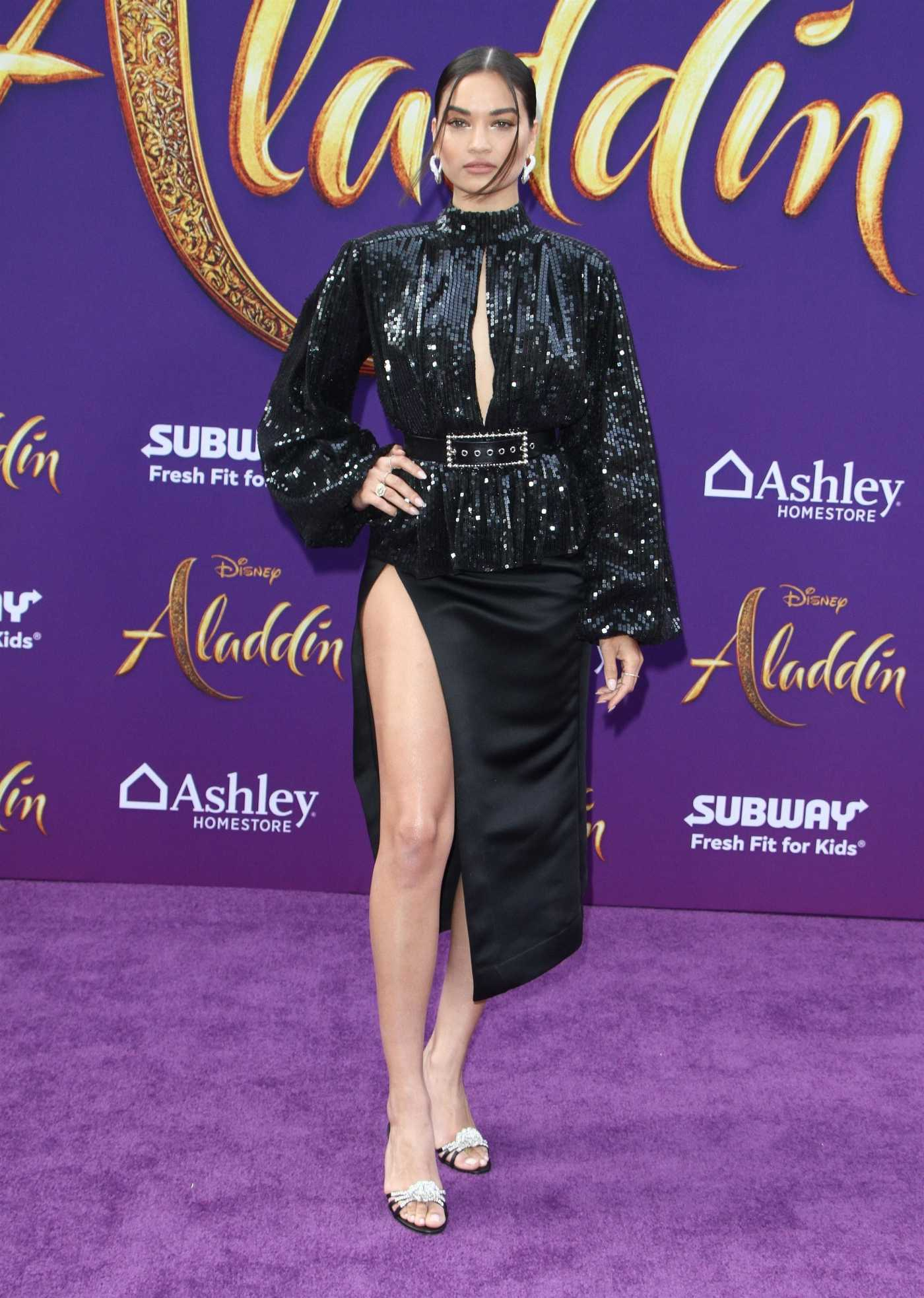 Shanina Shaik Attends Disney's Aladdin Premiere in Hollywood 05/21/2019