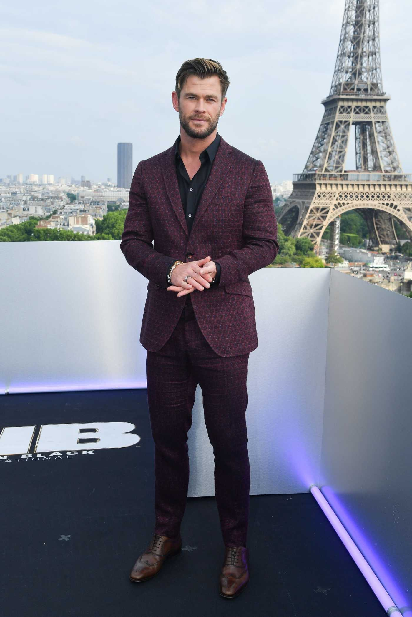 Chris Hemsworth Attends Men in Black Photocall with Tessa Thompson in Paris 06/04/2019