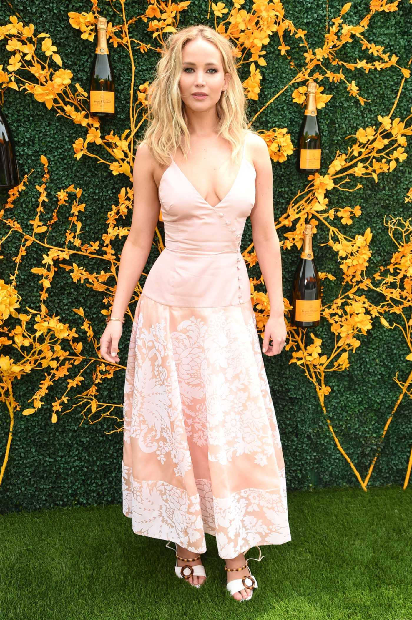 Jennifer Lawrence Attends the 12th Annual Veuve Clicquot Polo Classic at Liberty State Park in New Jersey 06/01/2019