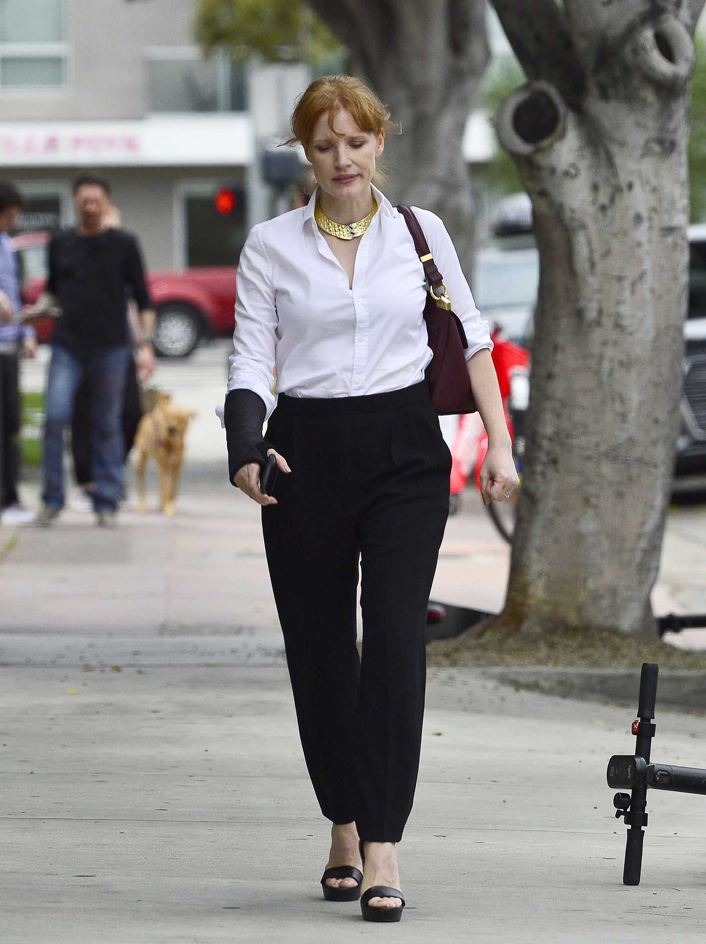 Jessica Chastain in a Black Pants Was Seen Out in LA 06/20/2019