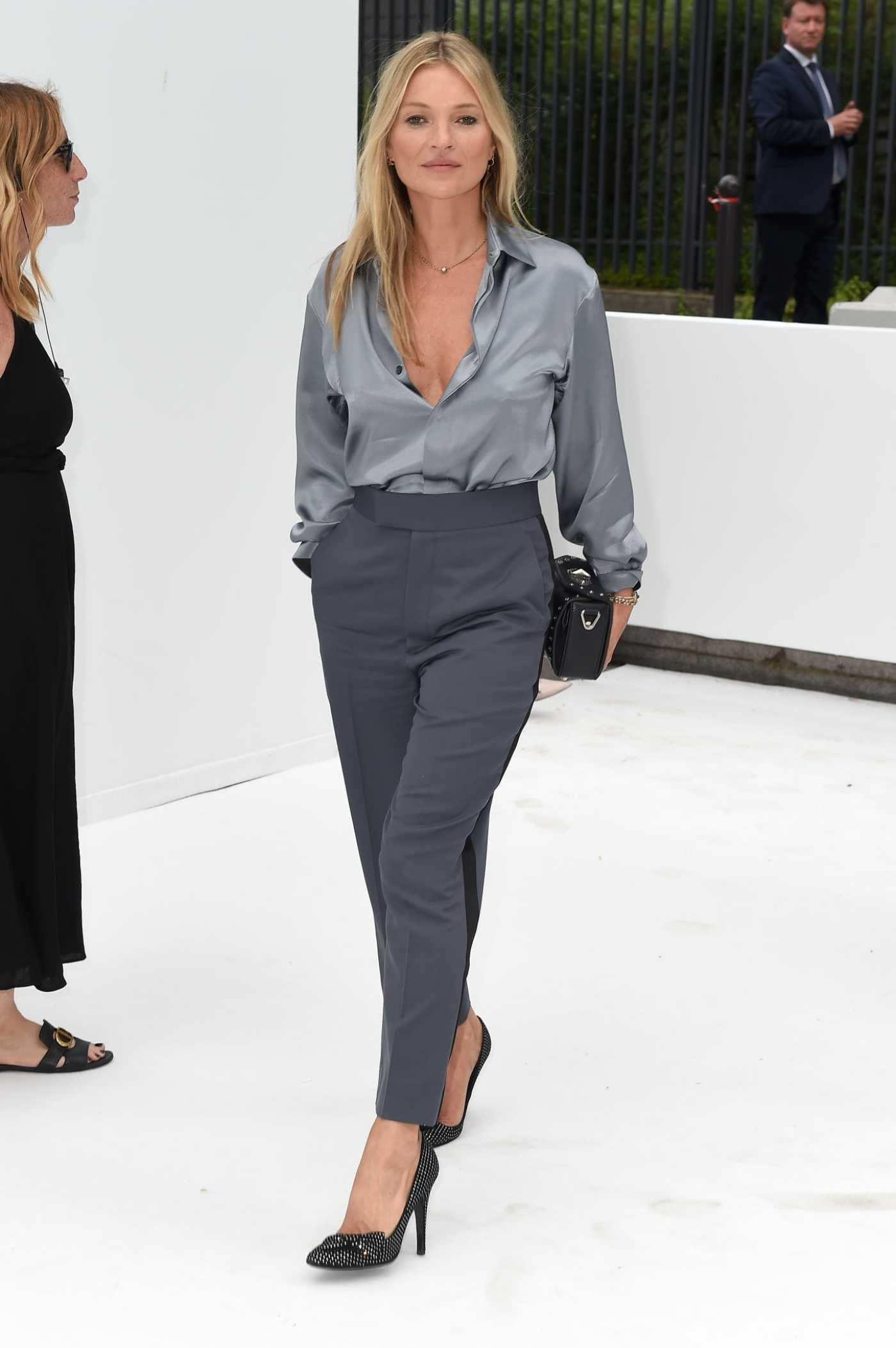 Kate Moss Attends 2020 Dior Homme Menswear Spring Summer Show in Paris 06/21/2019