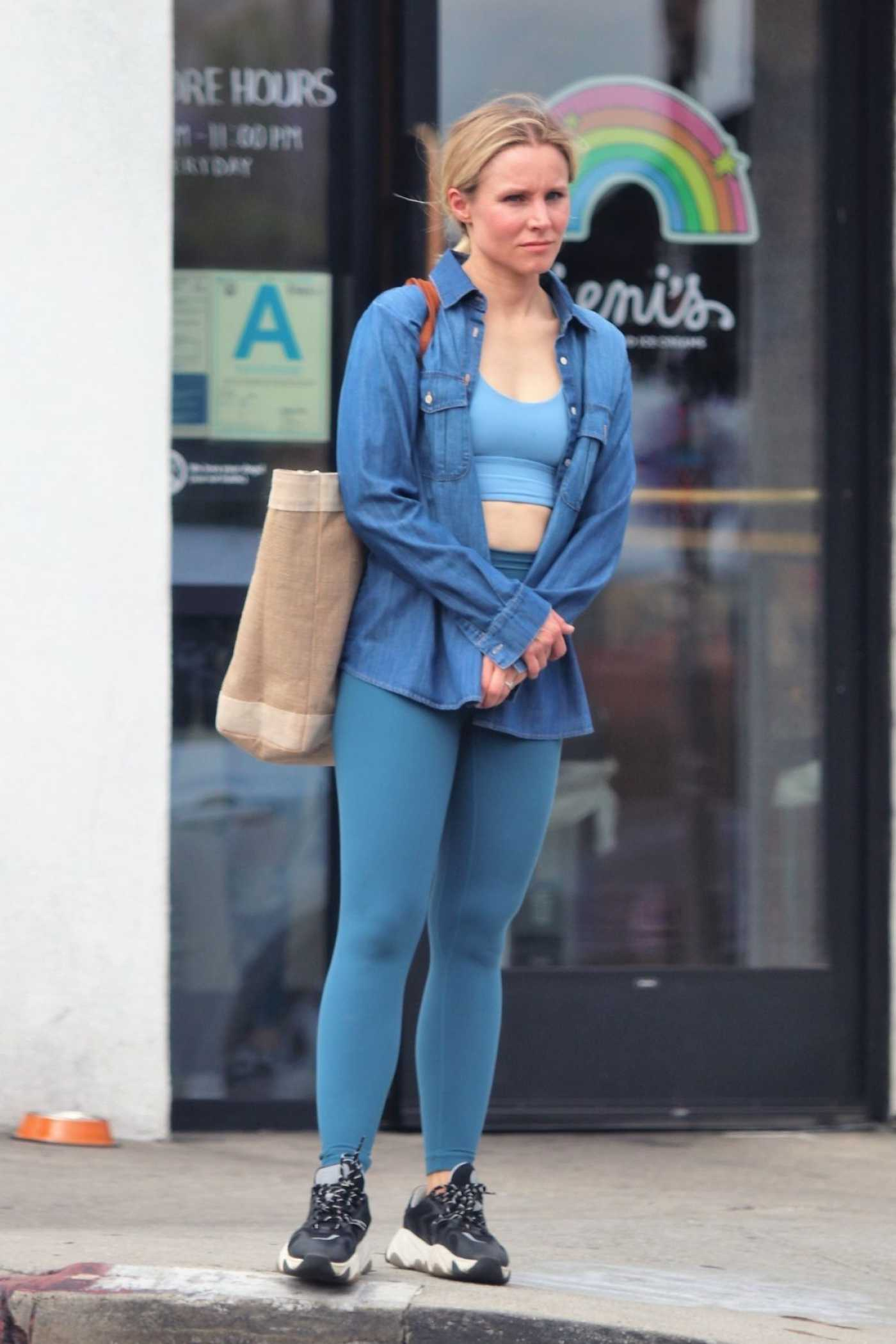 Kristen Bell in a Blue Leggings Leaves a Gym in LA 06/25/2019