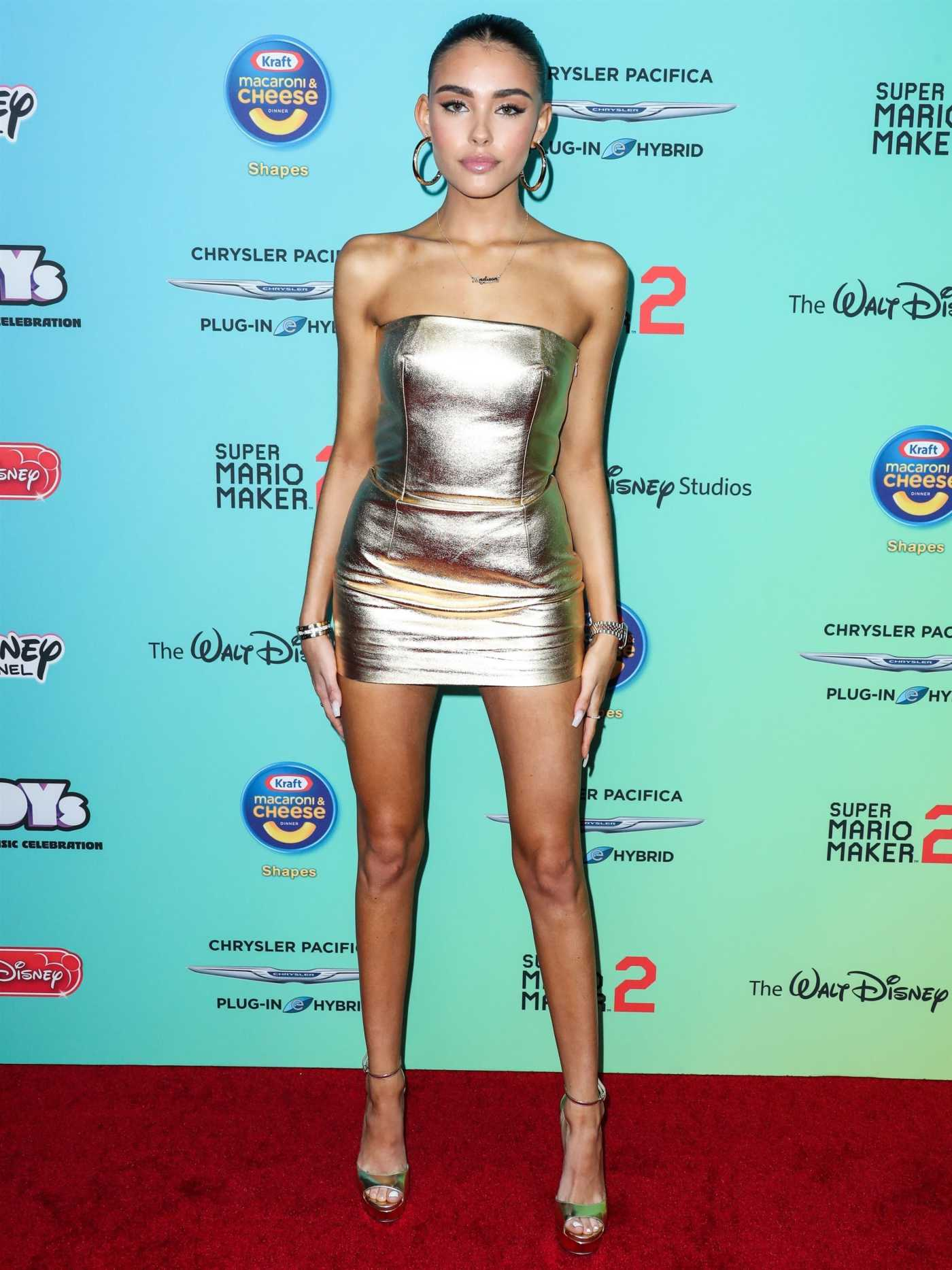 Madison Beer Attends 2019 MTV Movie and TV Awards at Barker Hangar in Santa Monica 06/15/2019