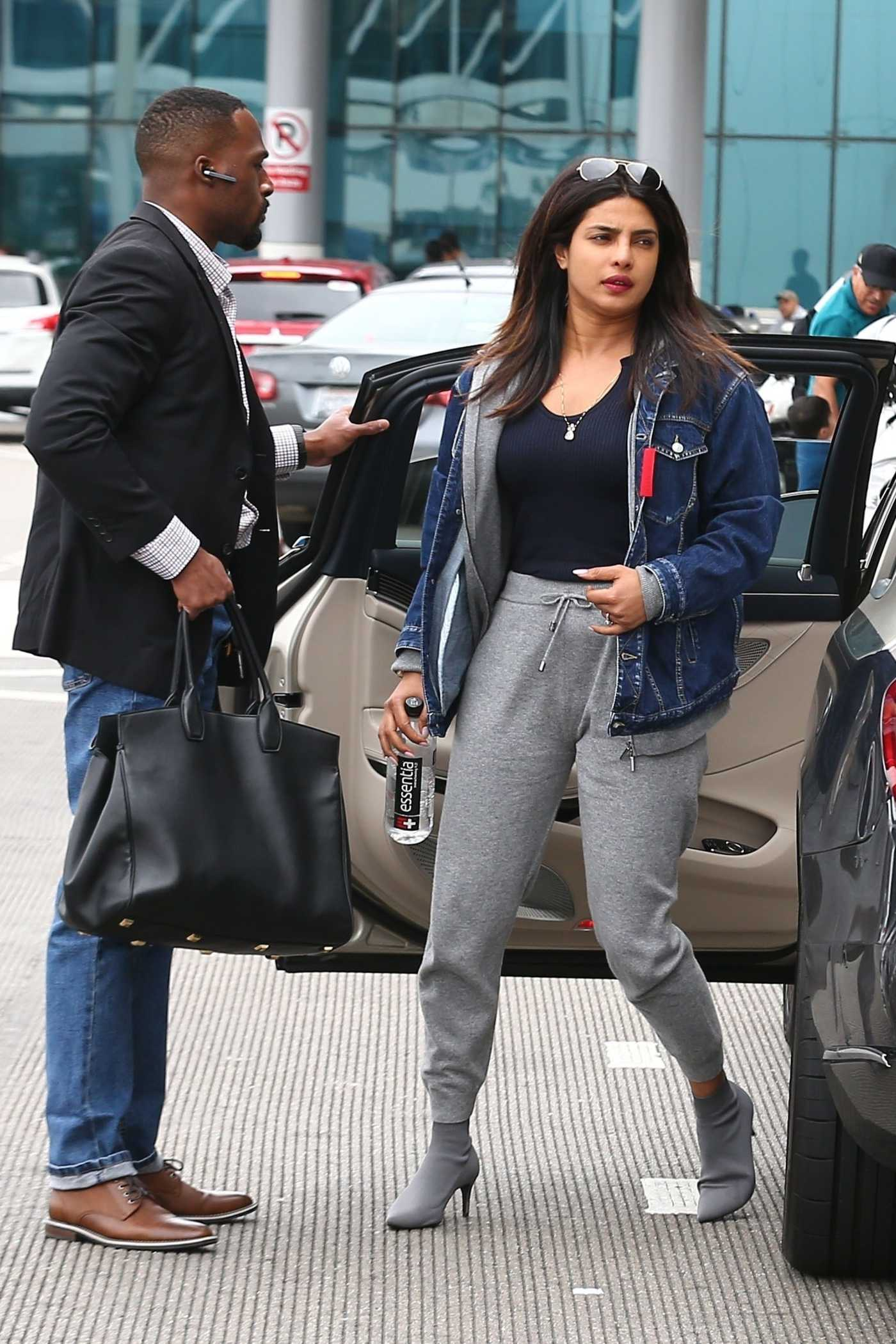 Priyanka Chopra in a Gray Sweatpants Arrives at LAX Airport in LA 06/04/2019
