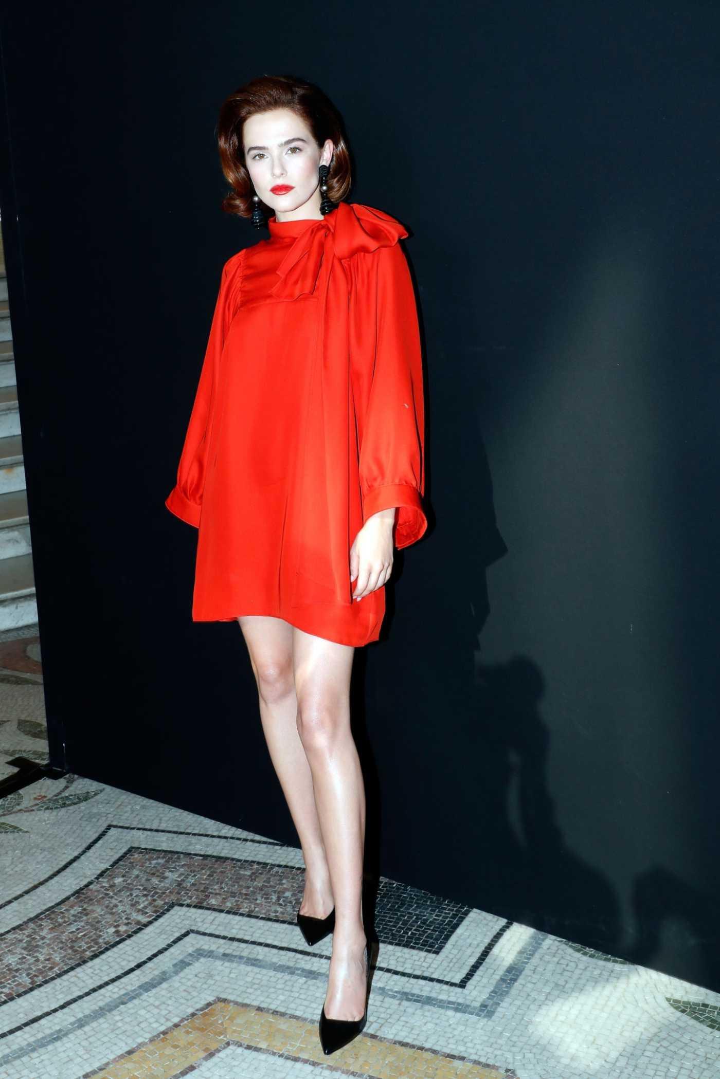 Zoey Deutch Attends the Giorgio Armani Show During 2019 Paris Fashion Week in Paris 07/02/2019